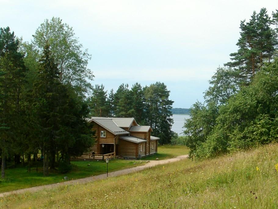 гостевой-дом-зеленая-территория-отдых-на-селигере-отель-вершина-селигера.jpg