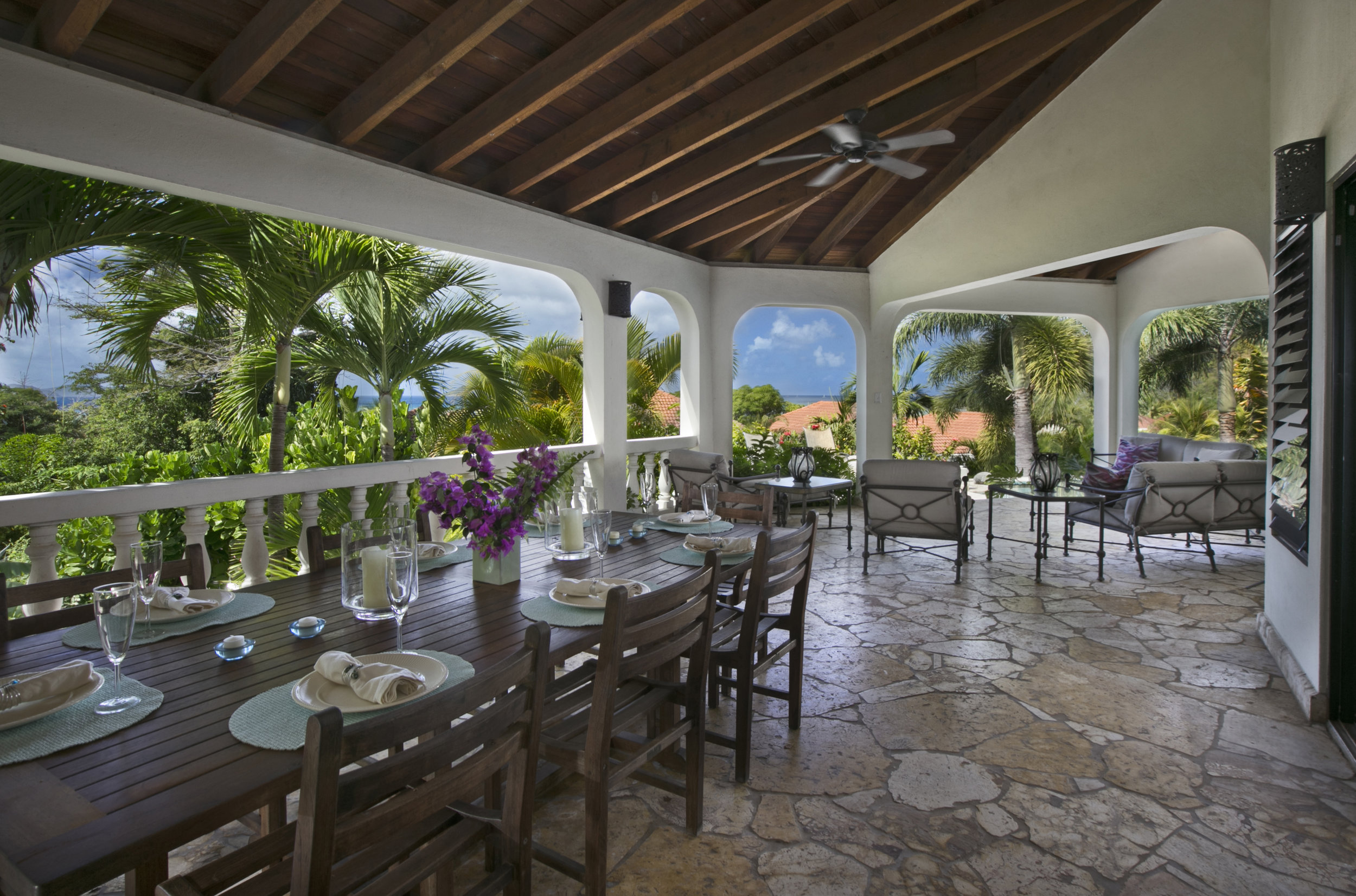 Enjoy outdoor alfresco dining prepared by one of the islands amazing chef!