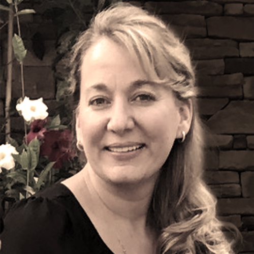 Michelle has 5 years of experience helping clients obtain their skin care goals.