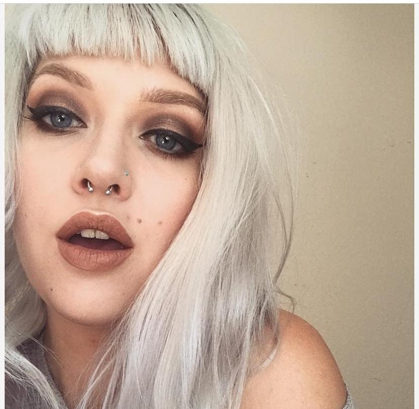 Aura Poimtsev - Makeup Artist@aura_magic