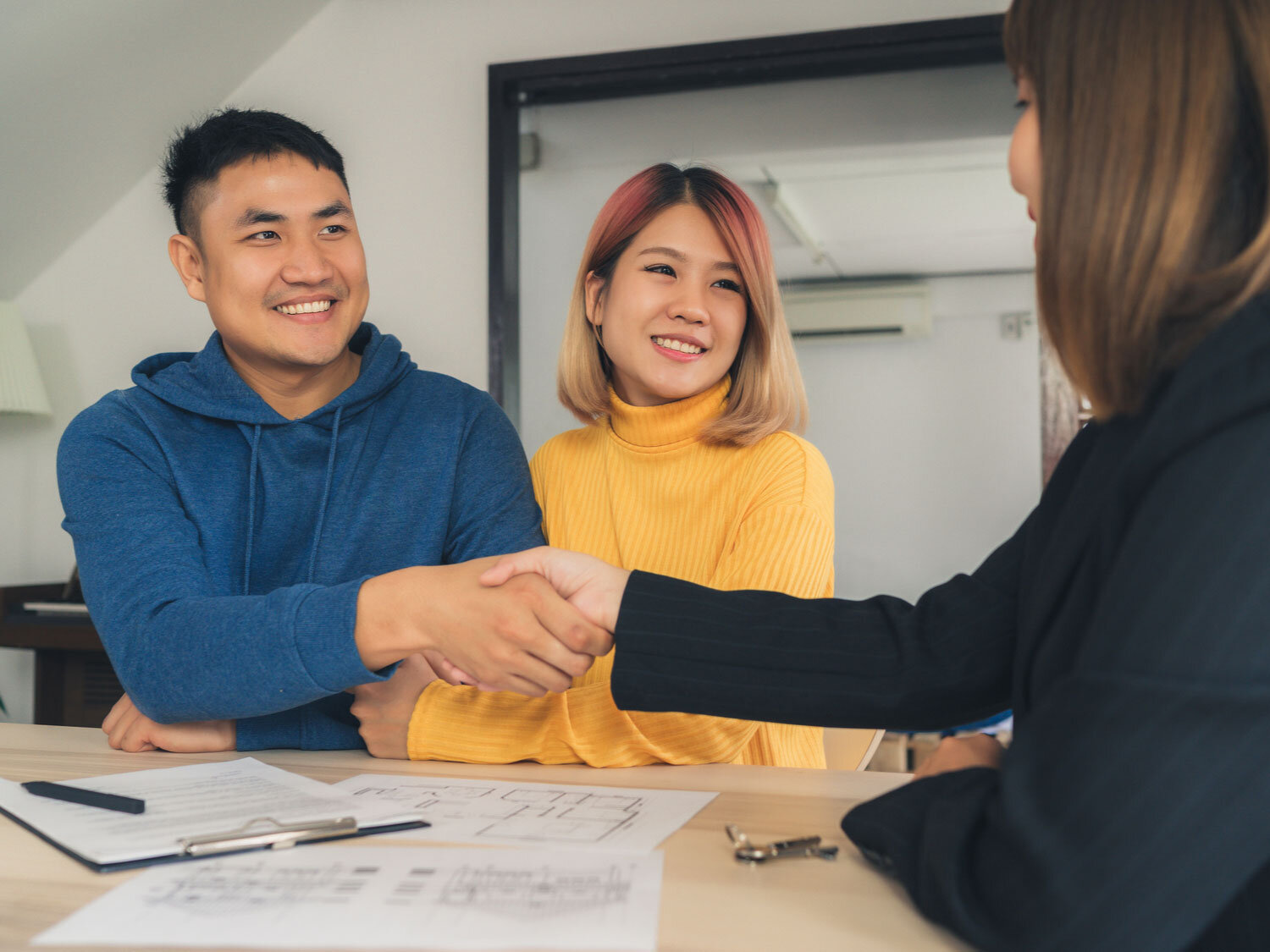 When buying a home, you need to put at least 3% down at closing. However, should you only put a minimum down payment? We'll help you determine what you should do in our latest article.