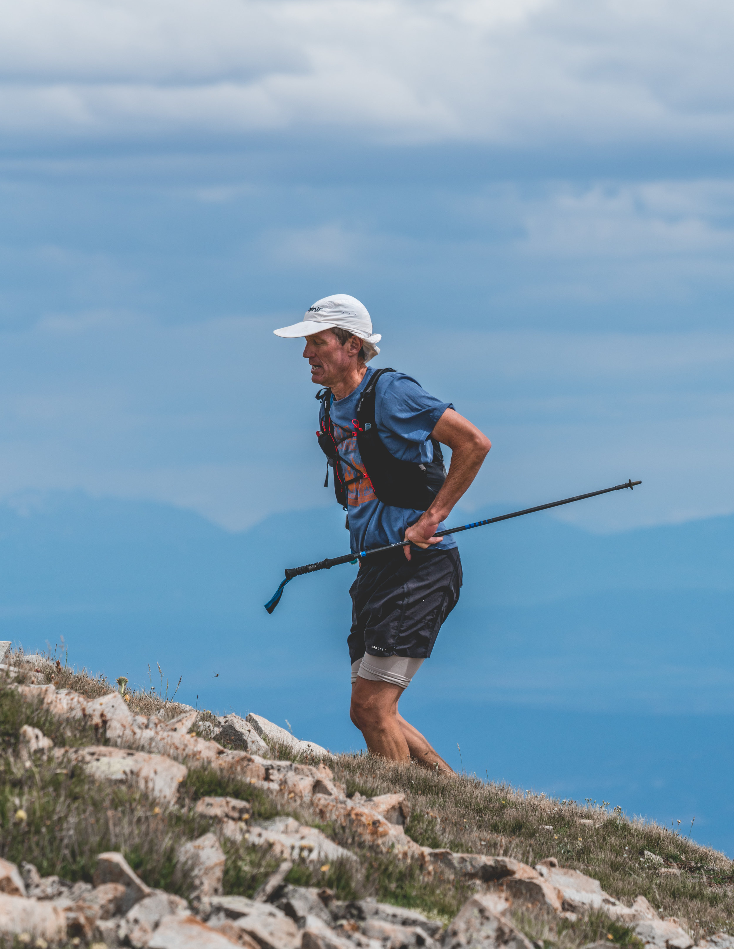 I'M DR. MIKE - I've lived in Fort Collins, Colorado for more than 25 years, where I've helped thousands of patients as a board-certified podiatrist. I'm also an ultramarathon runner, mountaineer, and father of six crazy kids. My house call podiatry helps endurance athletes (or absolutely anyone!) live life to the fullest along the Front Range—both on and off the trails.