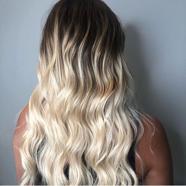 @jaci_swankpgh with super beachy vibes ✌🏽 . . . #pittsburghhair #pittsburghstylist #balayage #rootedbalayage #beachhair #beachhairideas #beachyhair #prettyhair #blondehair #swankpgh #swankhairstudio