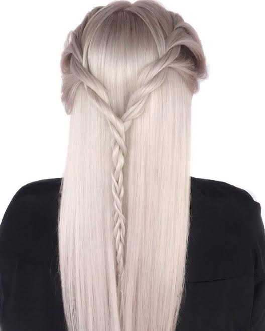 Icy blonde by @popcoulter_ in our Nashville salon location