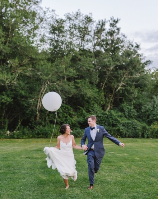 wedding photo shoot, ballon pic.jpg