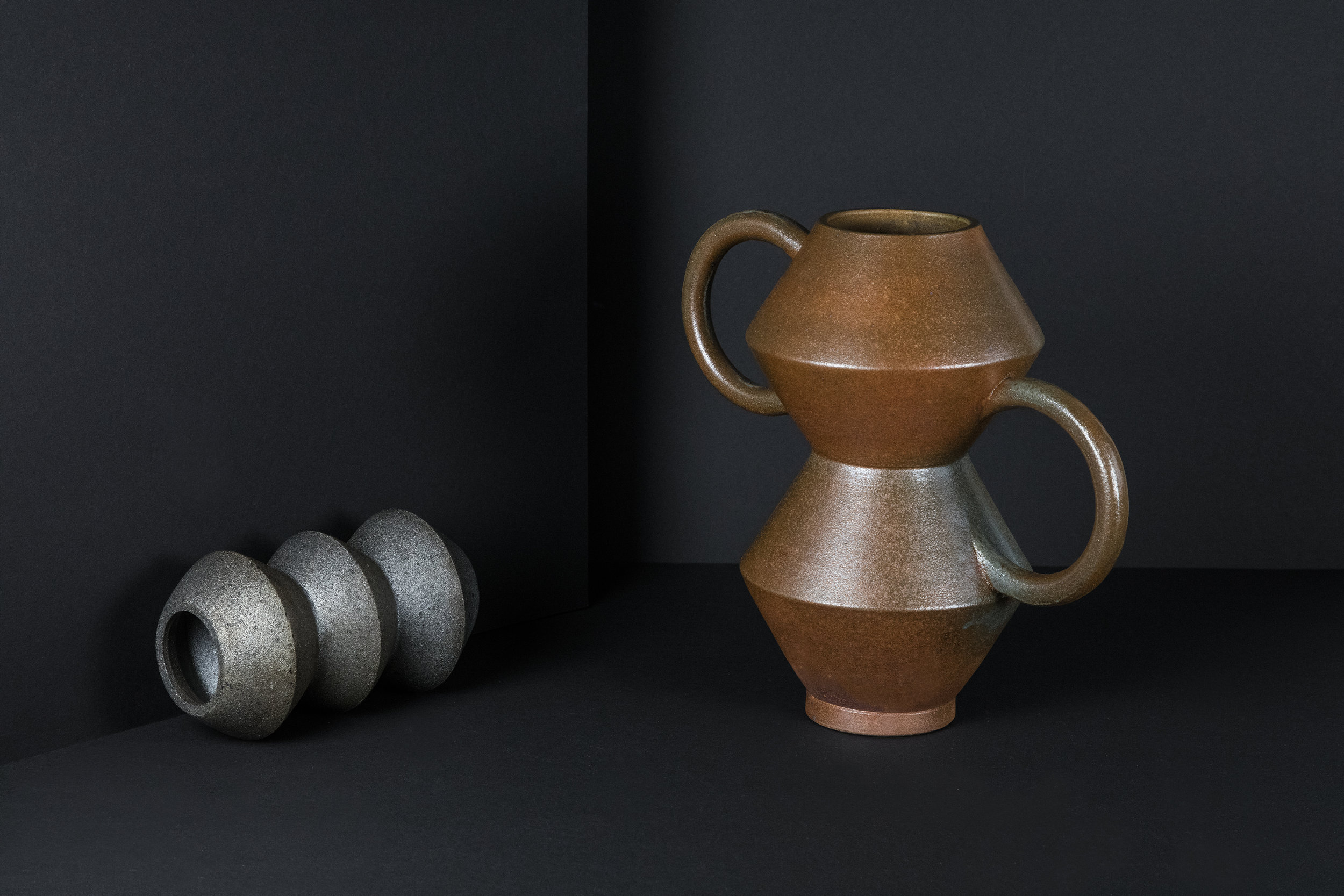 munoz-josefina-design-black-vases-ceramic-8.jpg