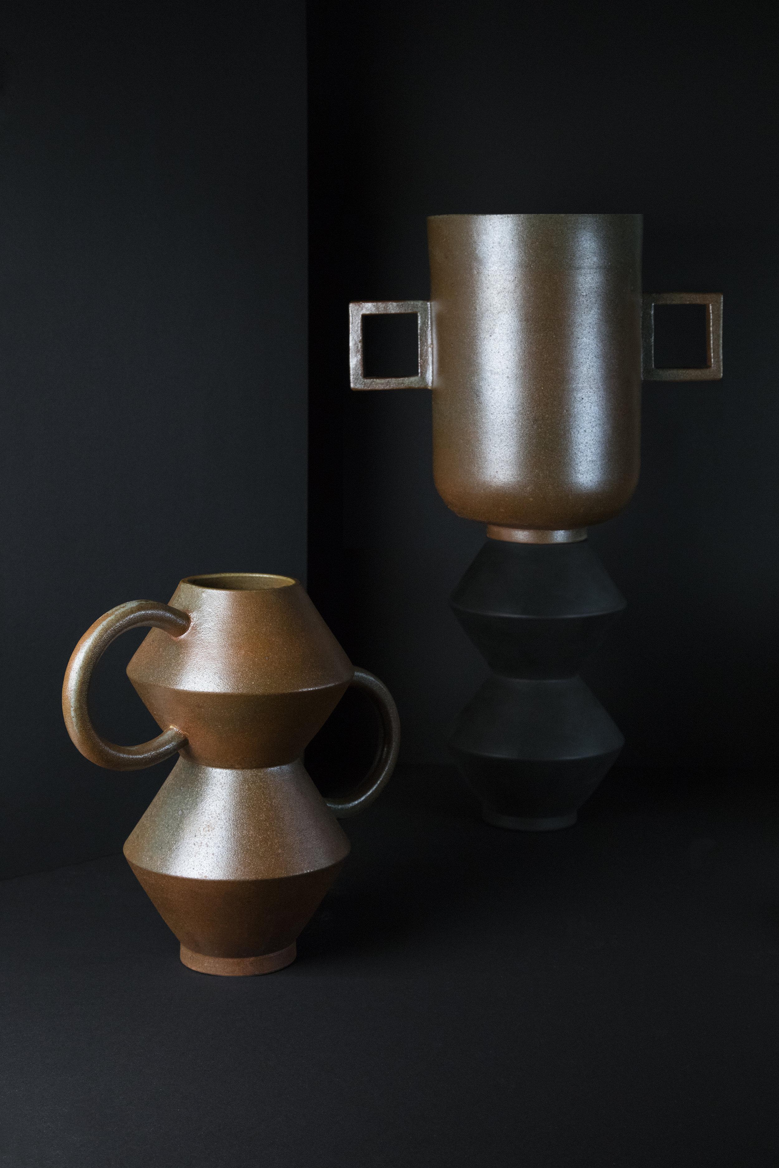 munoz-josefina-design-black-vases-ceramic-5.jpg