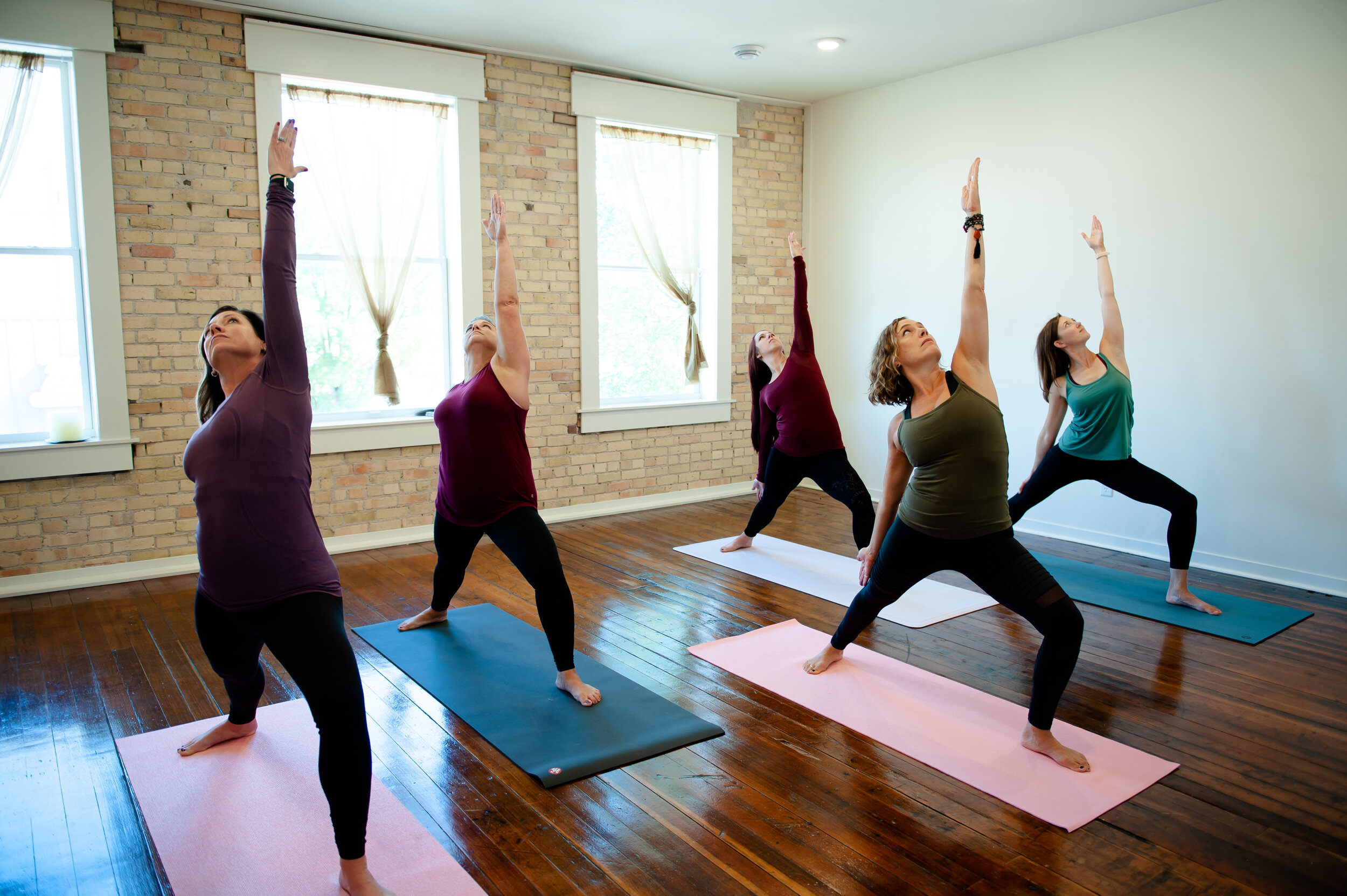 Roots+WingsYOGA-213.jpg
