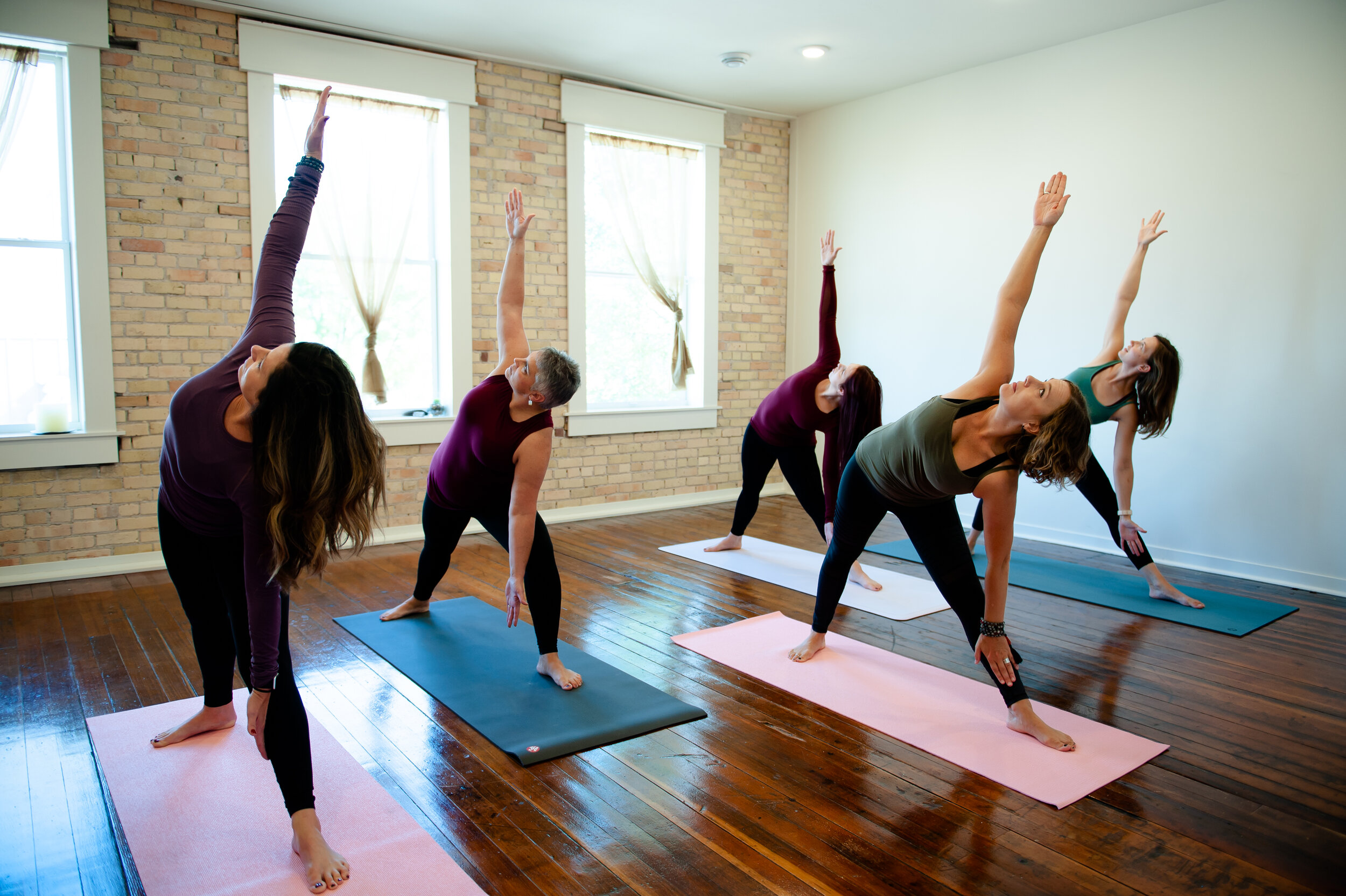 Roots+WingsYOGA-211.jpg