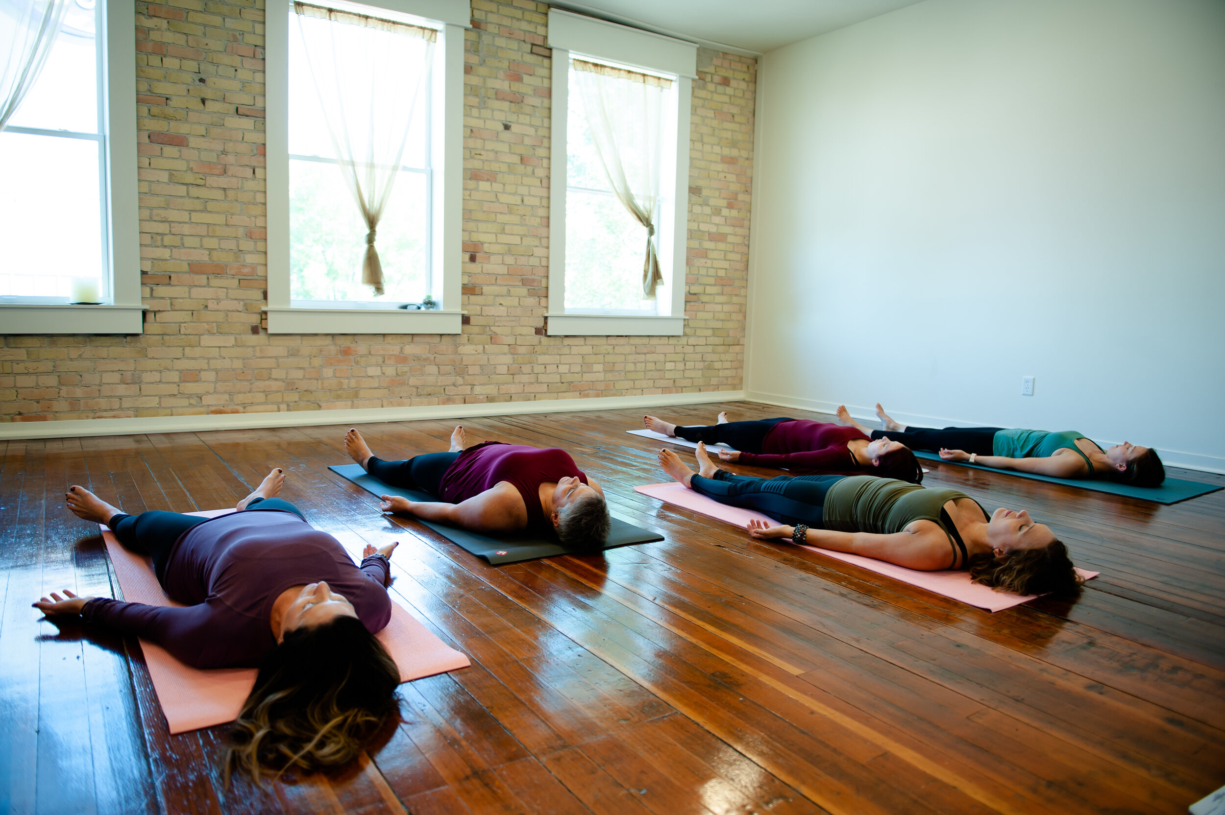 Roots+WingsYOGA-235.jpg