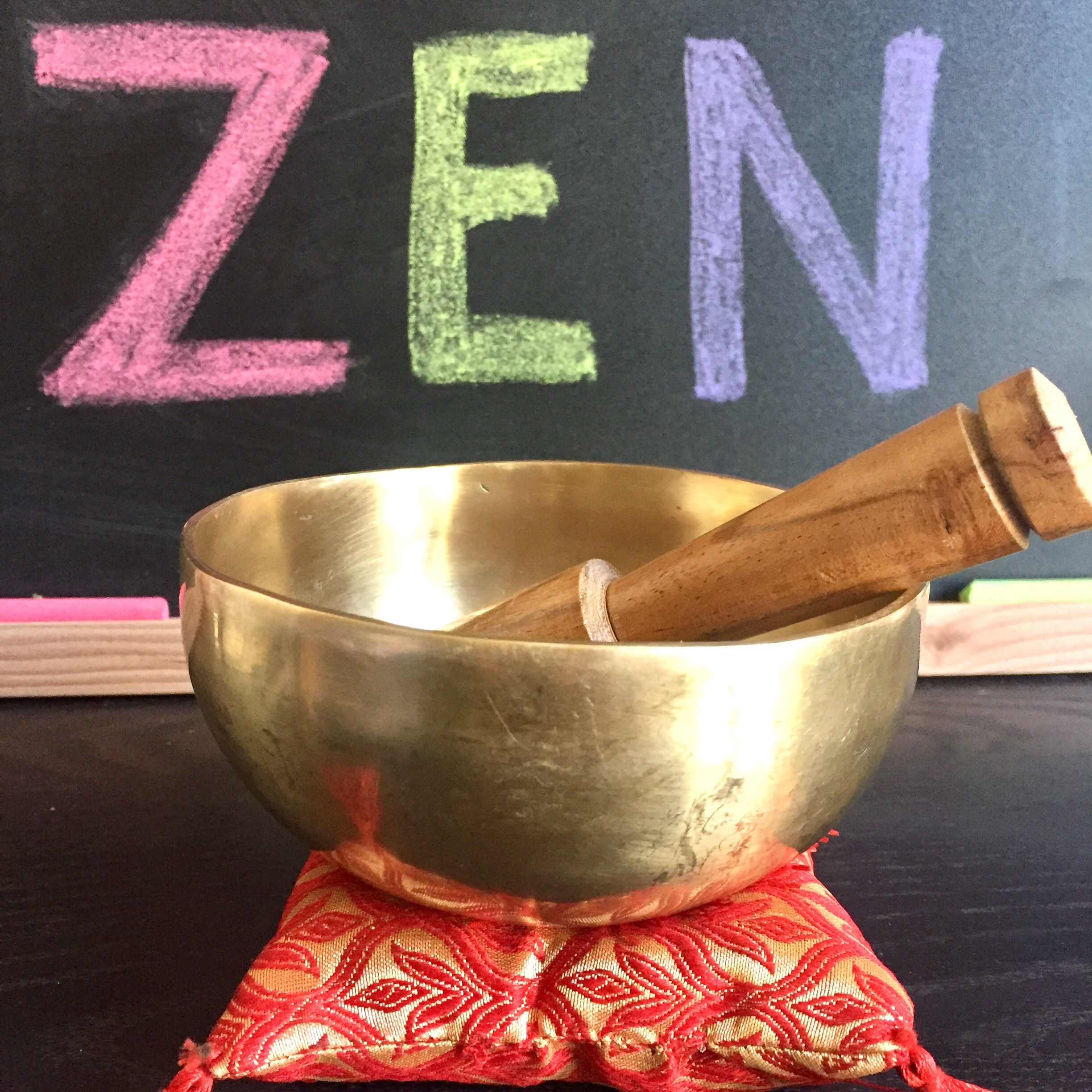 the Singing bowl - is an ambassador of peace in the classroom
