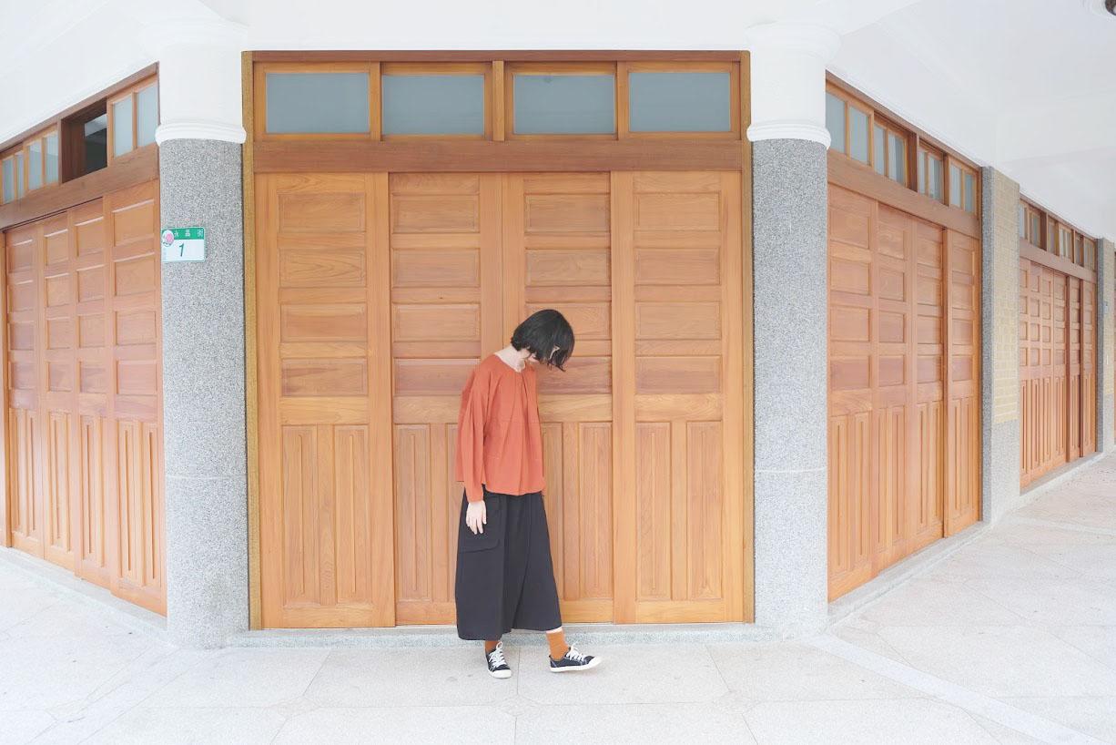 衣著 | a la sha+a 階梯活摺創意上衣 & a la sha+a 大口袋不對稱長褲裙