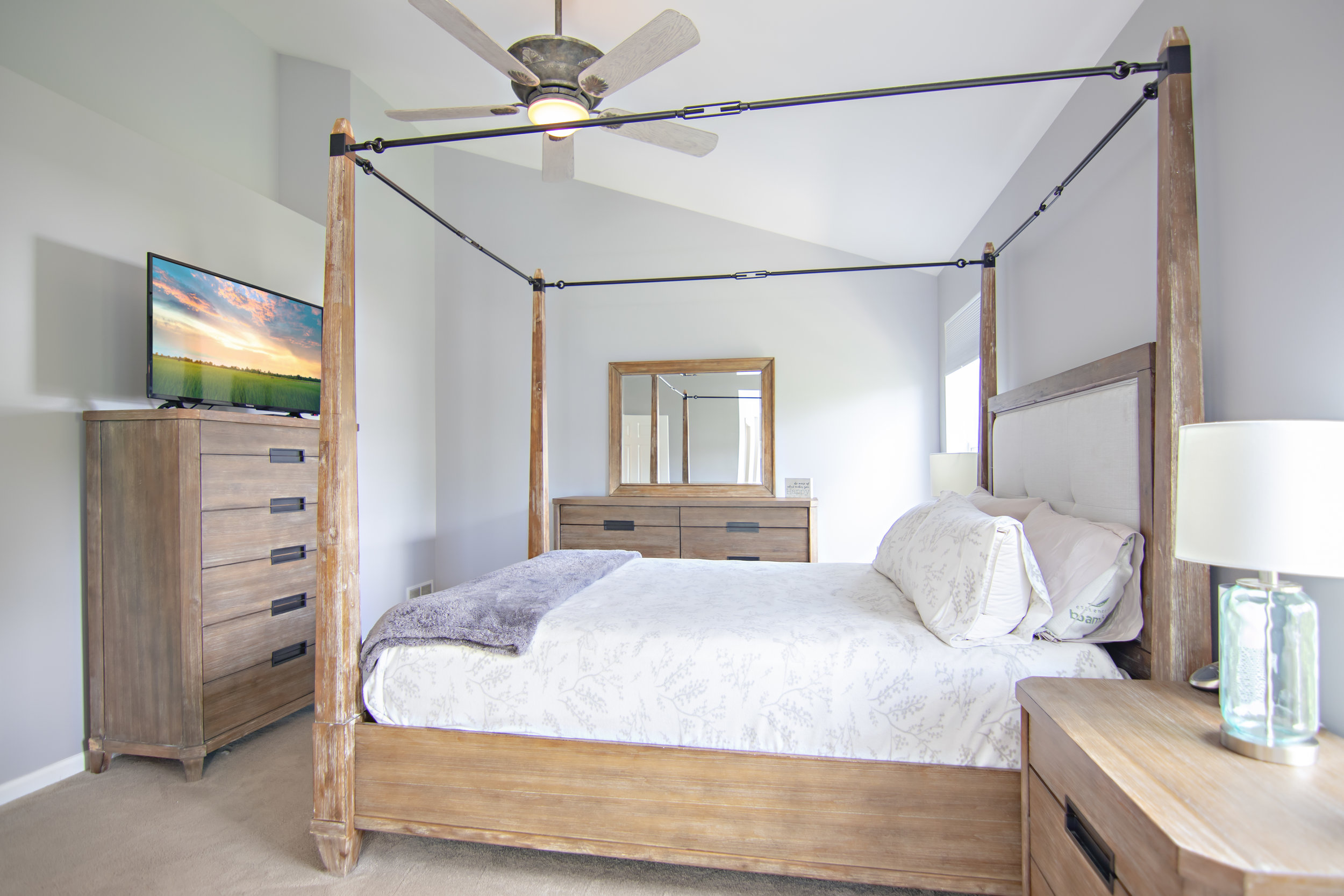 MasterBedroom2.jpg