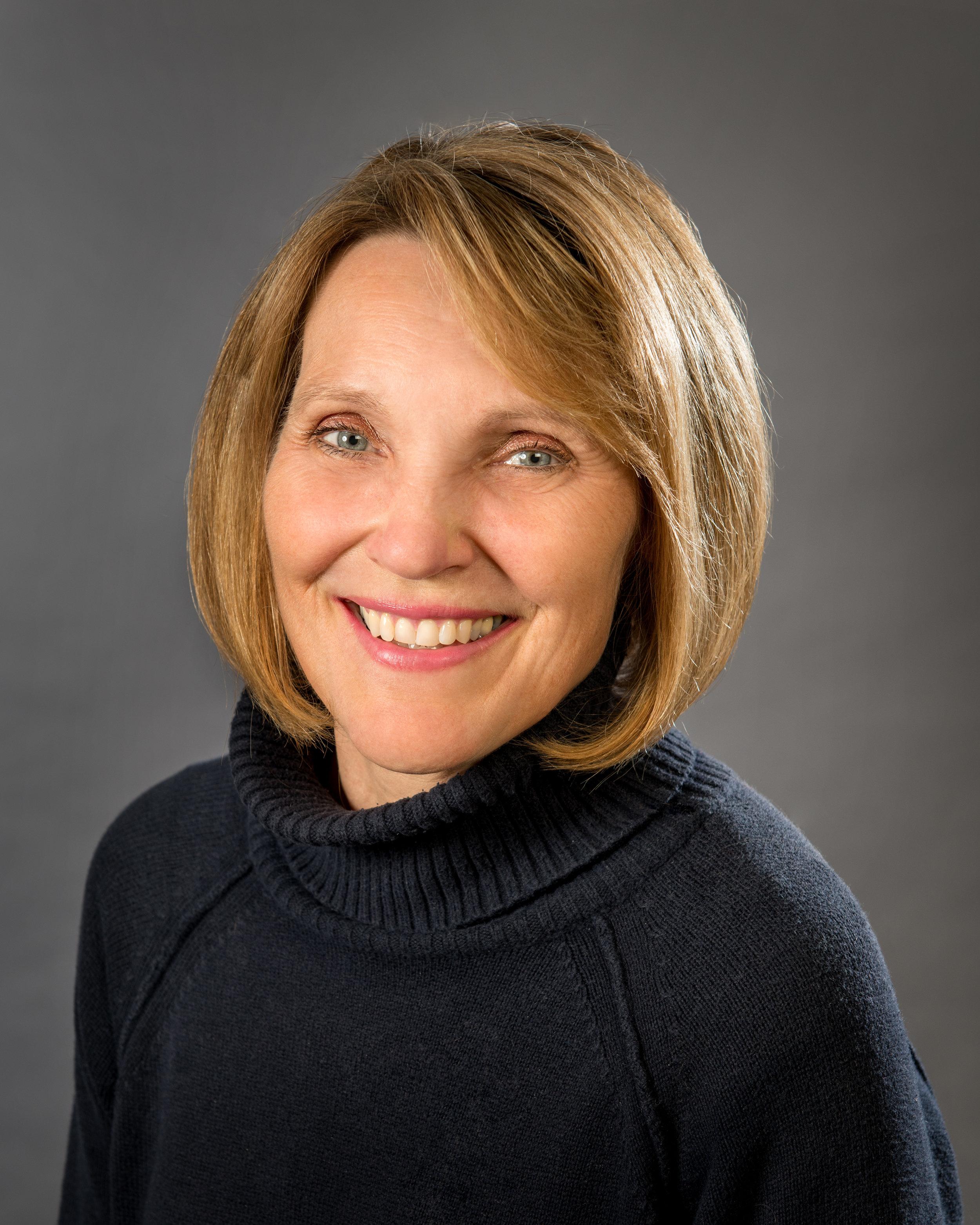 Organist  Marilyn Brattskar