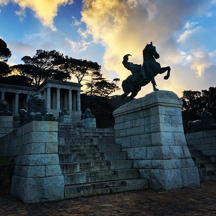 Majestic Rhodes Memorial with magnificent views of the city and Table Bay