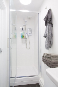 Contained in the studio is a private single person changing room with a power shower. Complimentary towels and toiletries are also available.