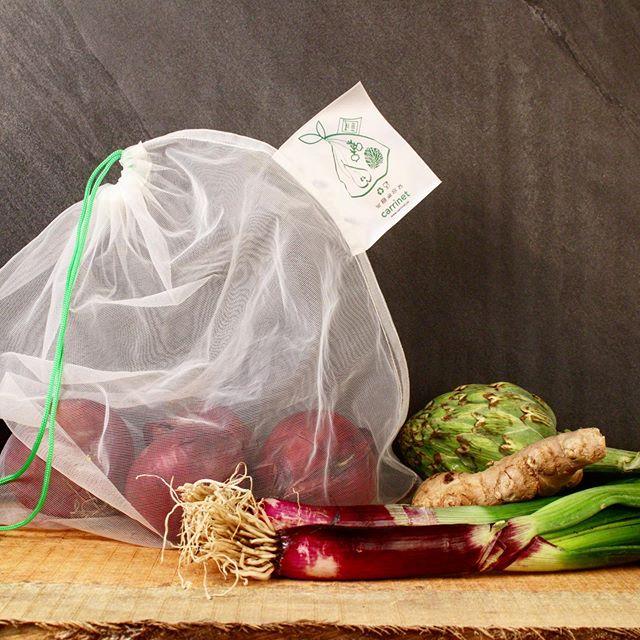 Reduce plastic waste by recycling and REUSING more! ♻️🌱✅ #carrinet #veggio #reduceandreuse #fruitandveggies #reusing #notosingleuseplastic #stopwaste #stopfoodwaste #veggieworld #plasticisnotfantastic #saynotosingleuseplastic #netbag #reusablebags #bringyourownbag