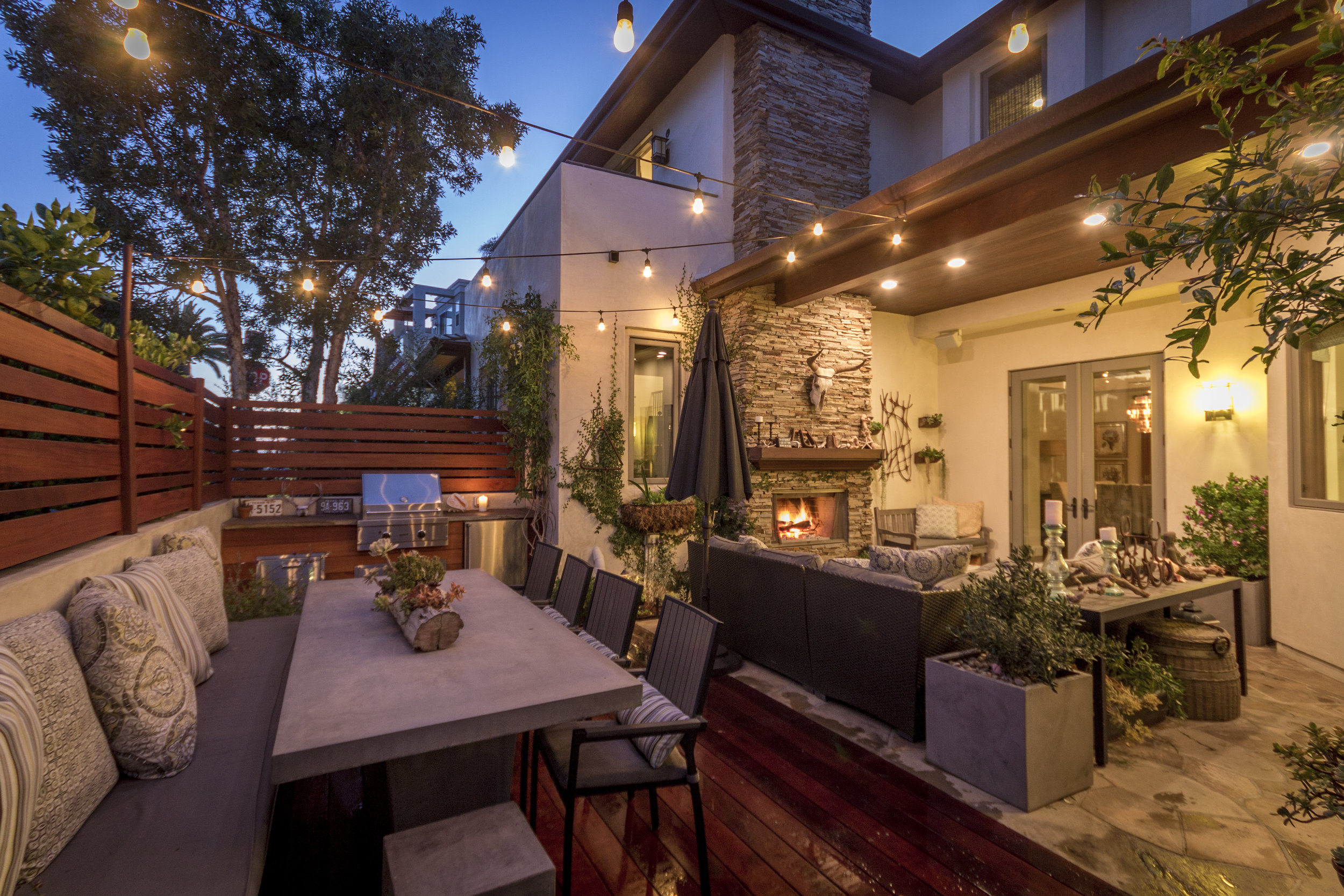 Rustic Modern - Manhattan BeachBBQ and BarOutdoor FireplaceCement tableIpe wood decking and removable fence