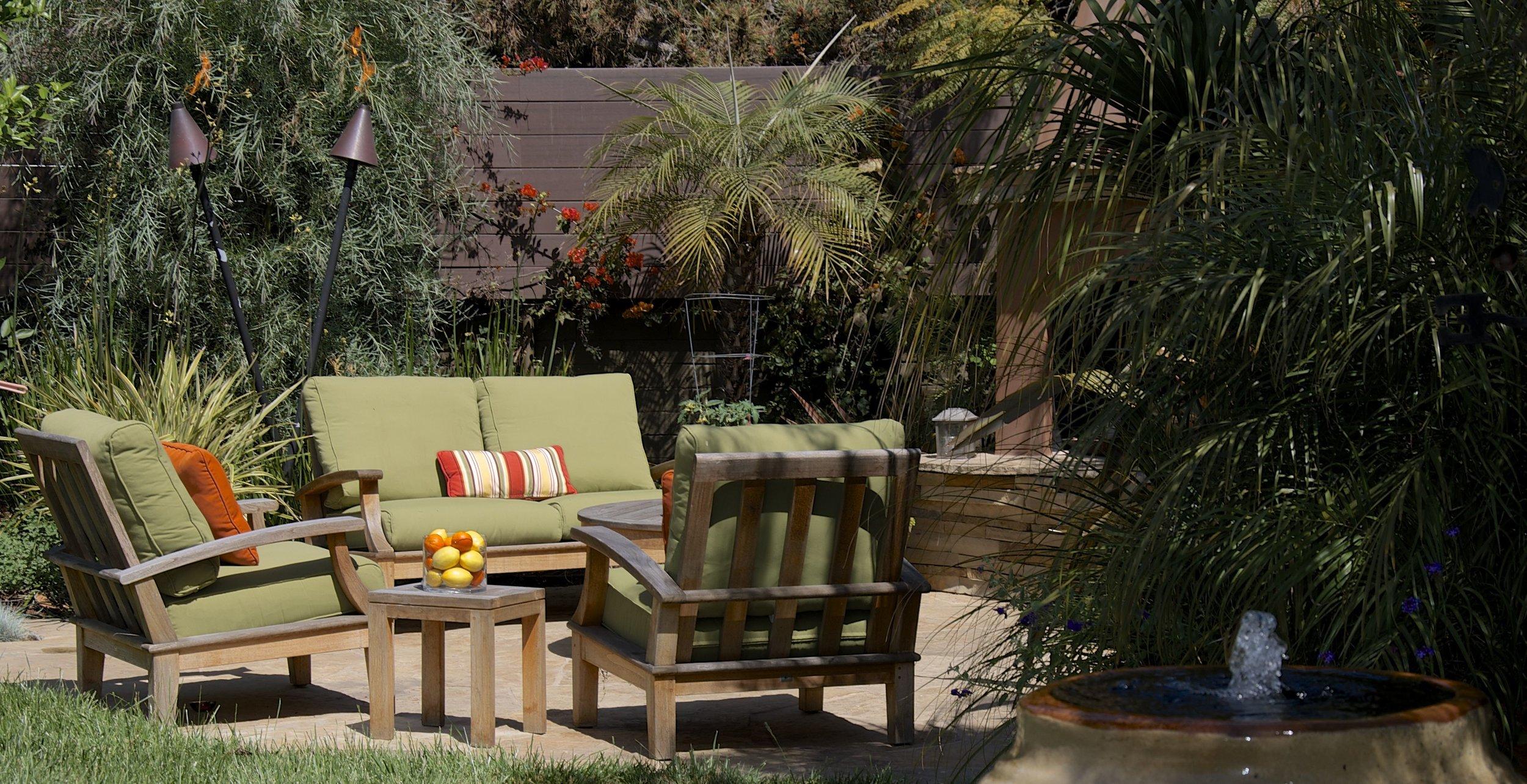 Tropical Garden - WestchesterOutdoor fireplaceWater featuresBBQPergola & dining area