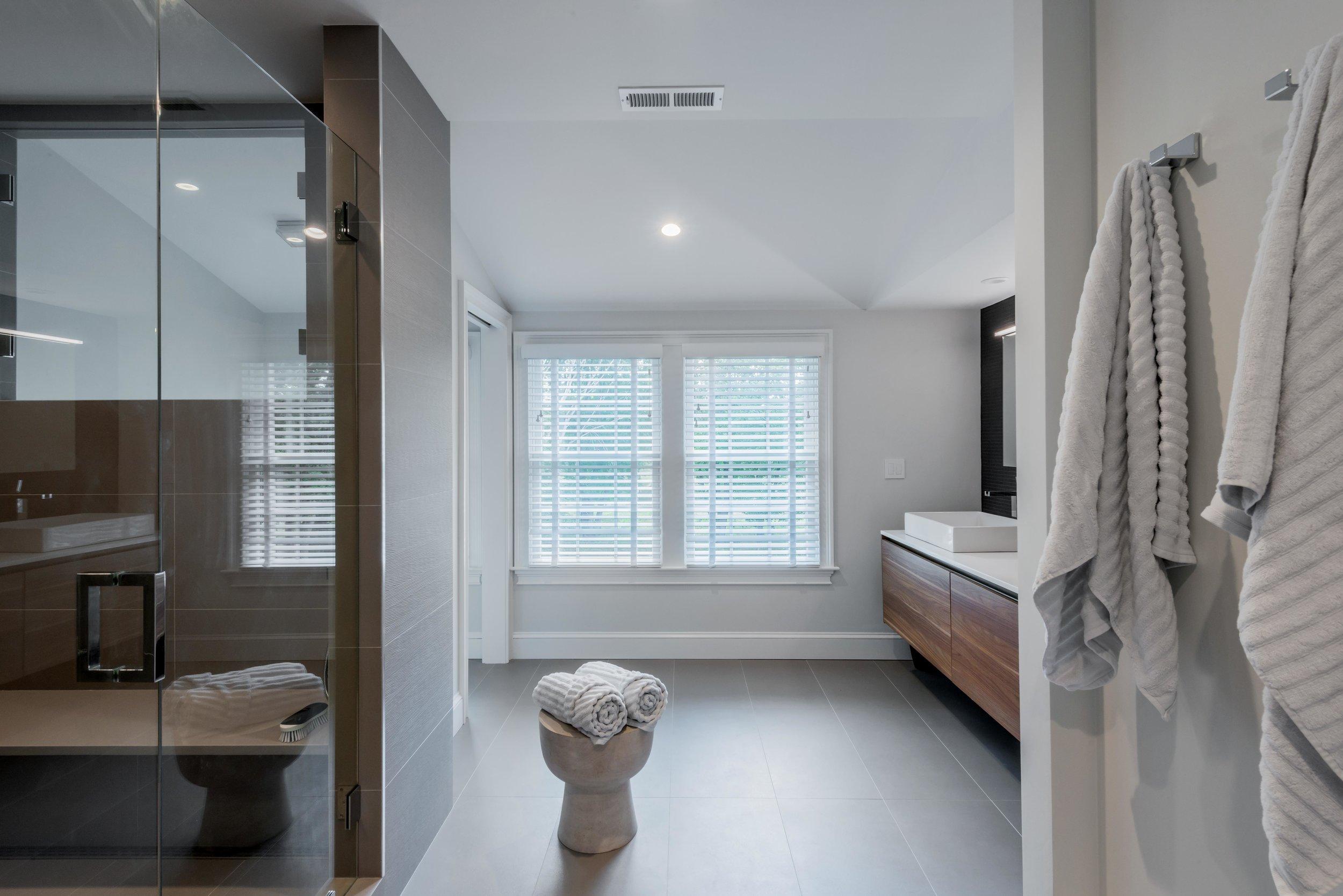 modern-bathroom-concord