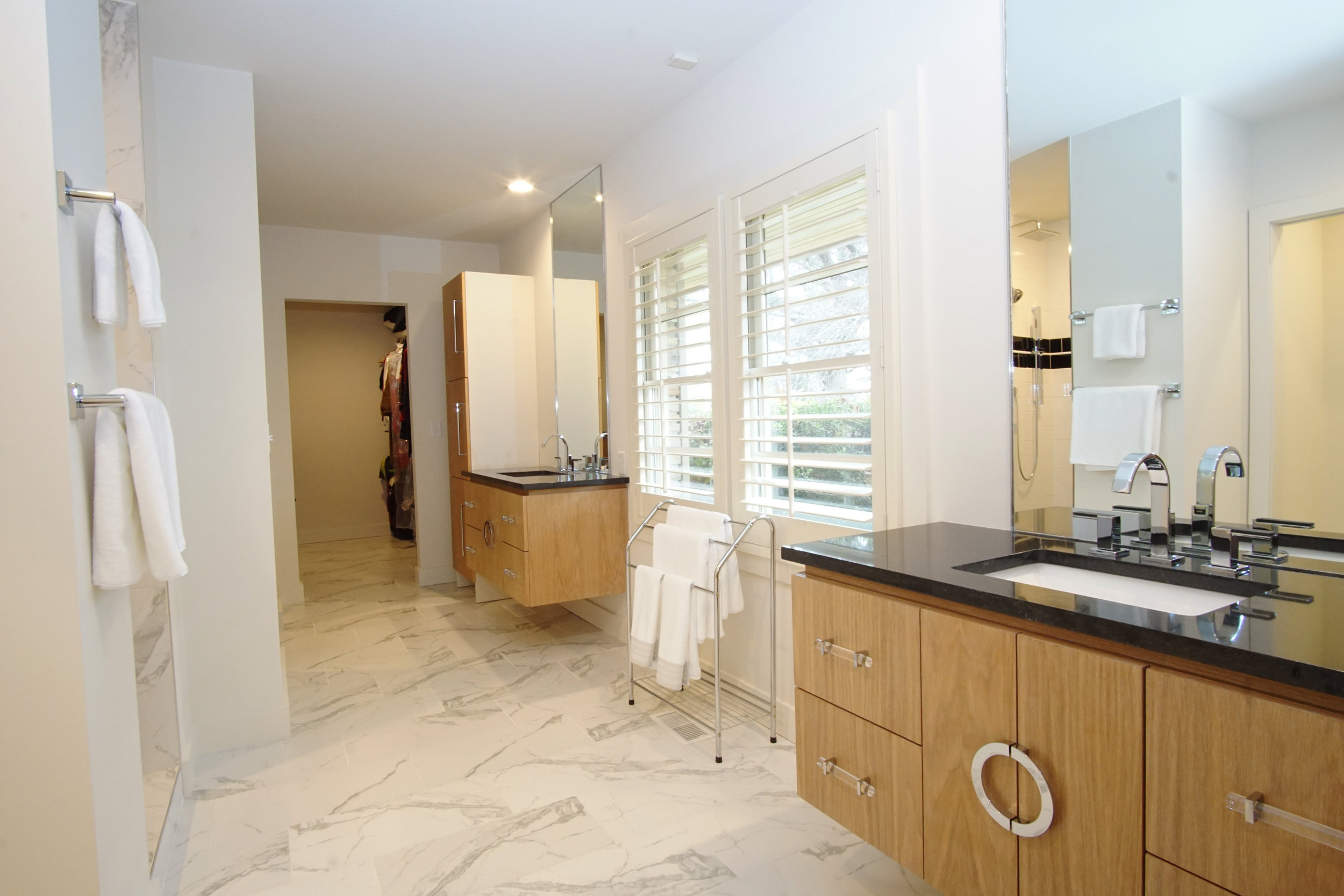 43 Master Bathroom 1.jpg
