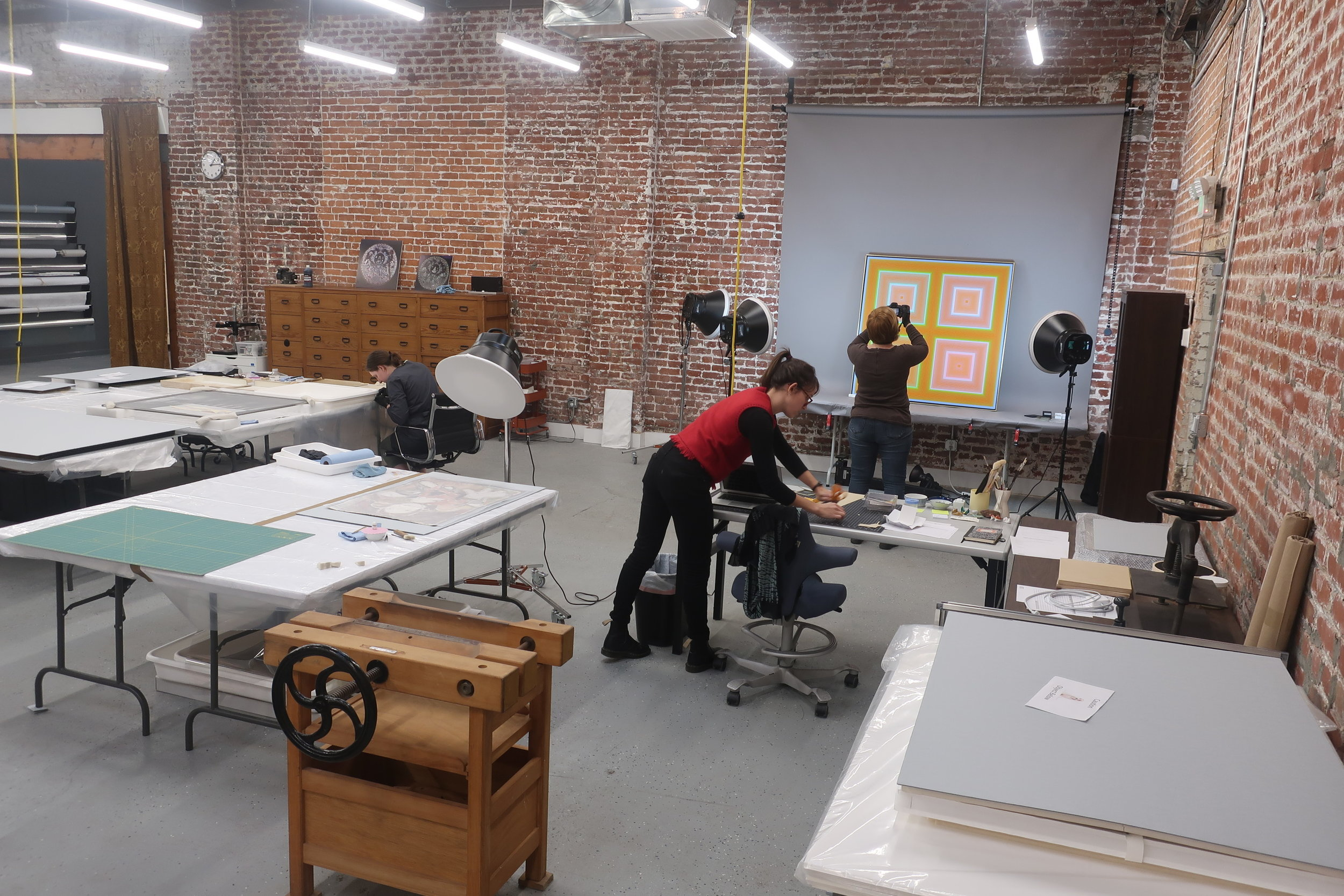 3700 sq ft front room accomodates departments for paper, painting and objects as well as photography area.