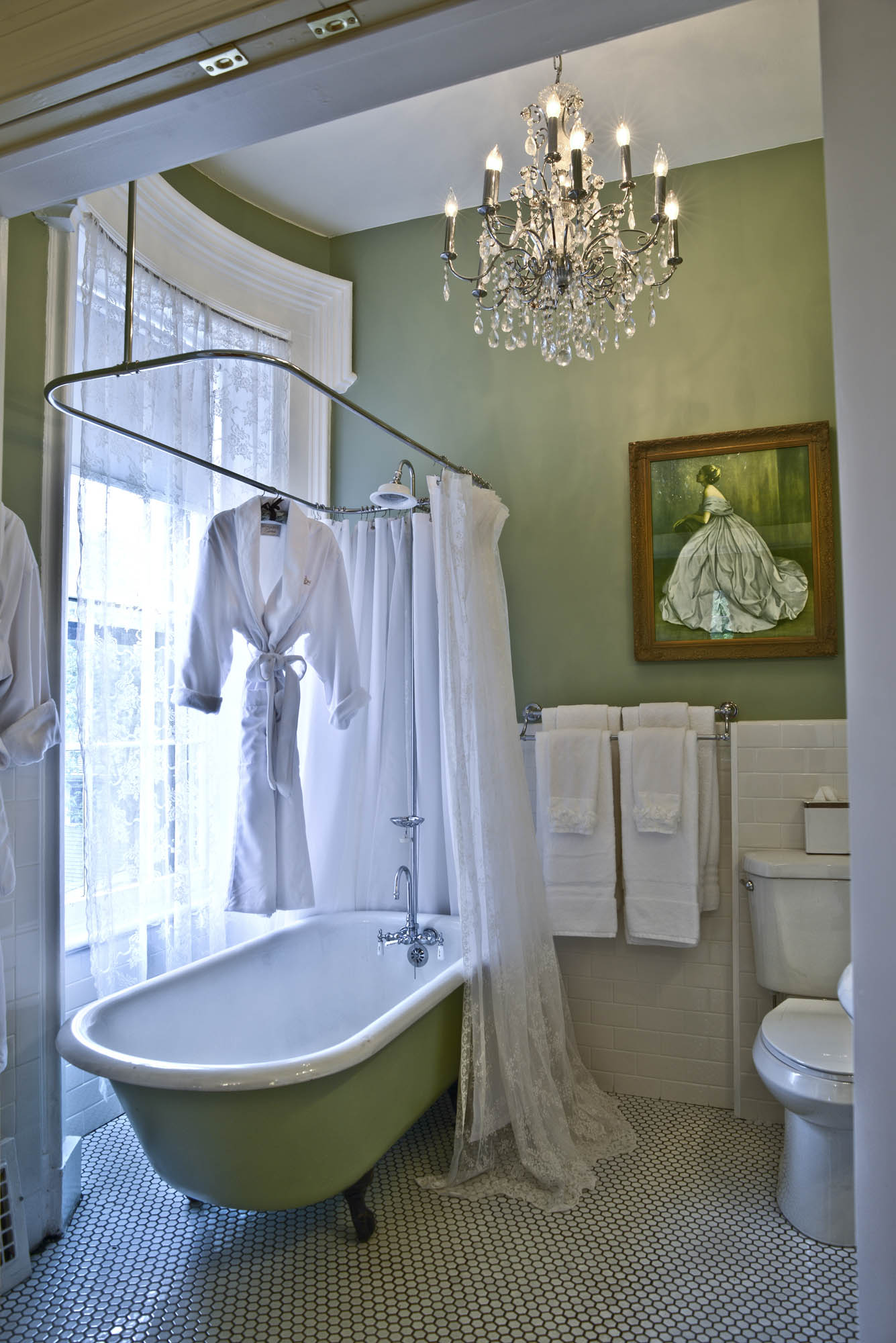 Maxwell Mansion Room Traditional Historic House Bathroom Lake Geneva Wisconsin.jpg