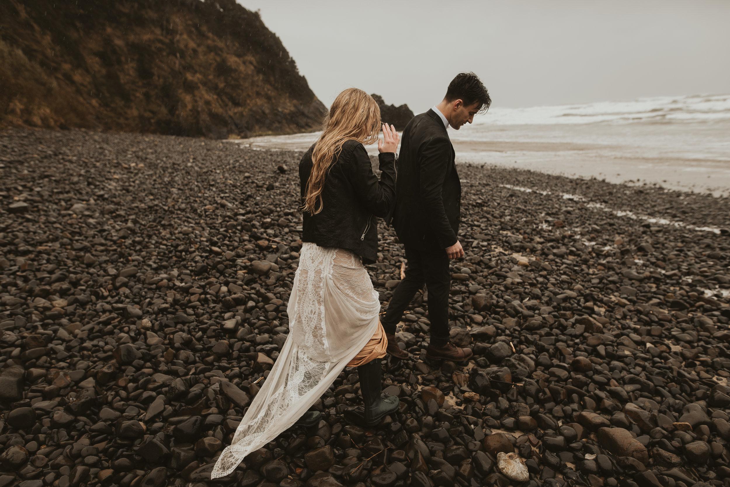 Cannon Beach elopement in Oregon