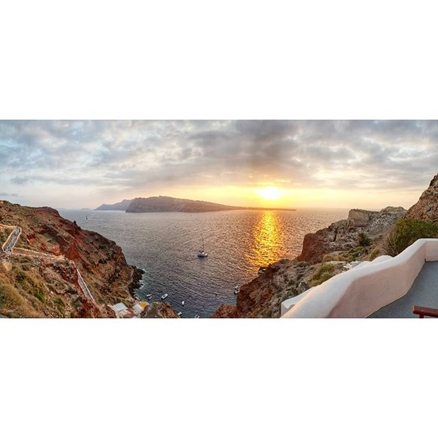 Paradise. #santorini #greece #moodygrams
