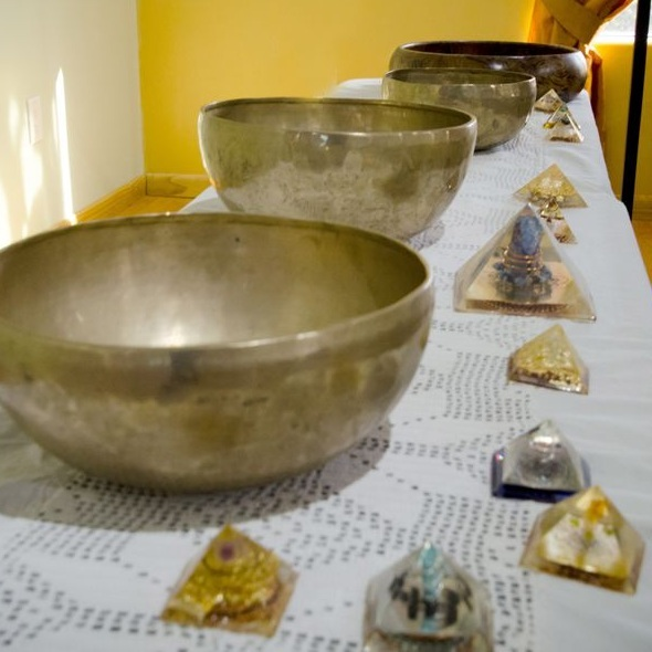 Vibrational Therapy - Utilizing the Himalayan Singing/Healing 7 Sacred Metal Bowls & The Sacred Gong…