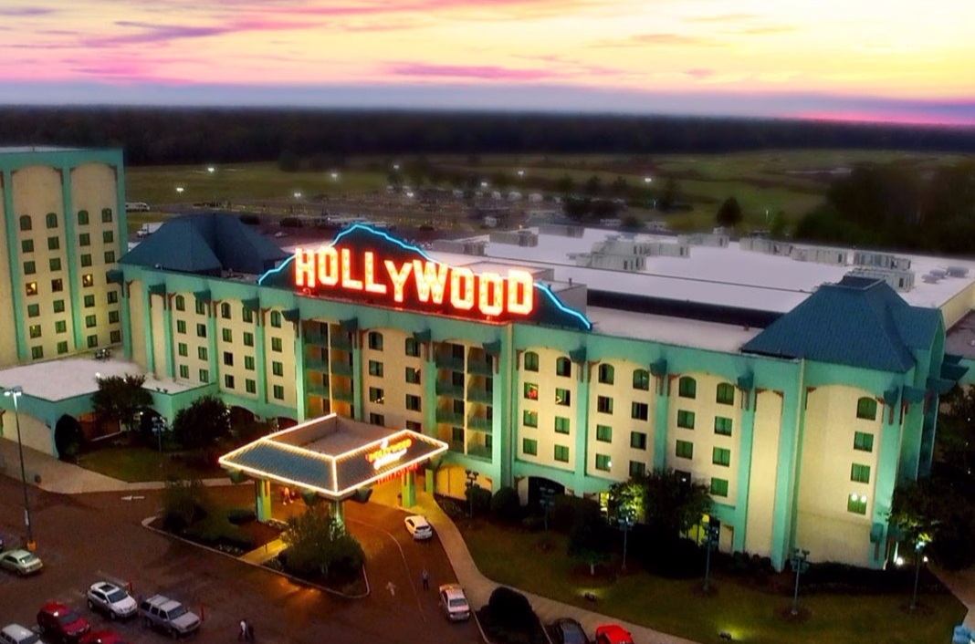 HOLLYWOOD CASINO - ROBINSONVILLE, MS