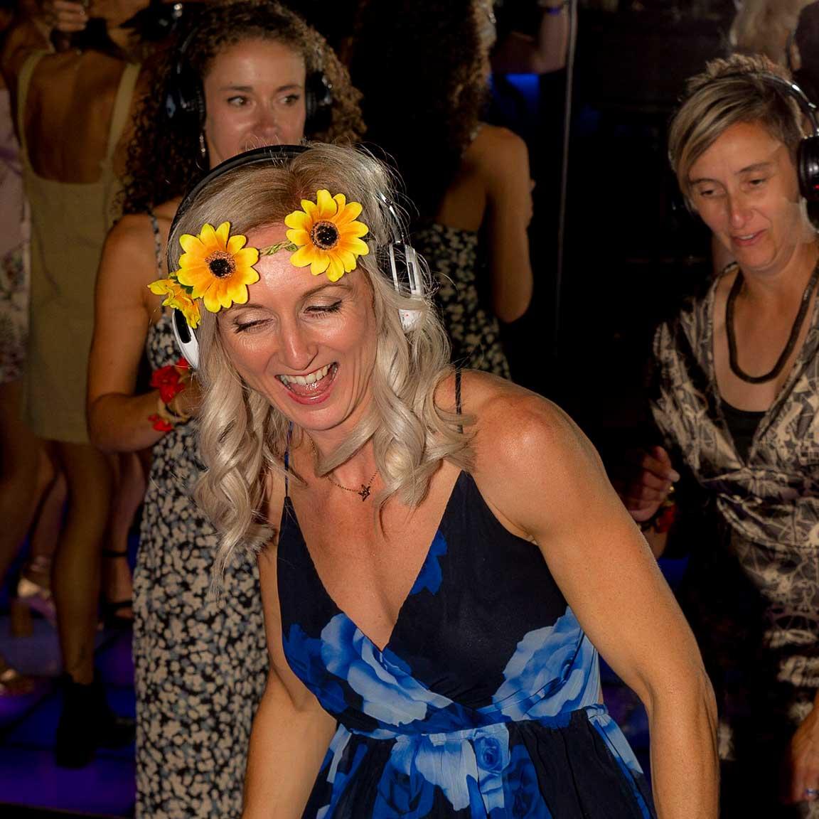 Silent-Disco_wedding_9.jpg