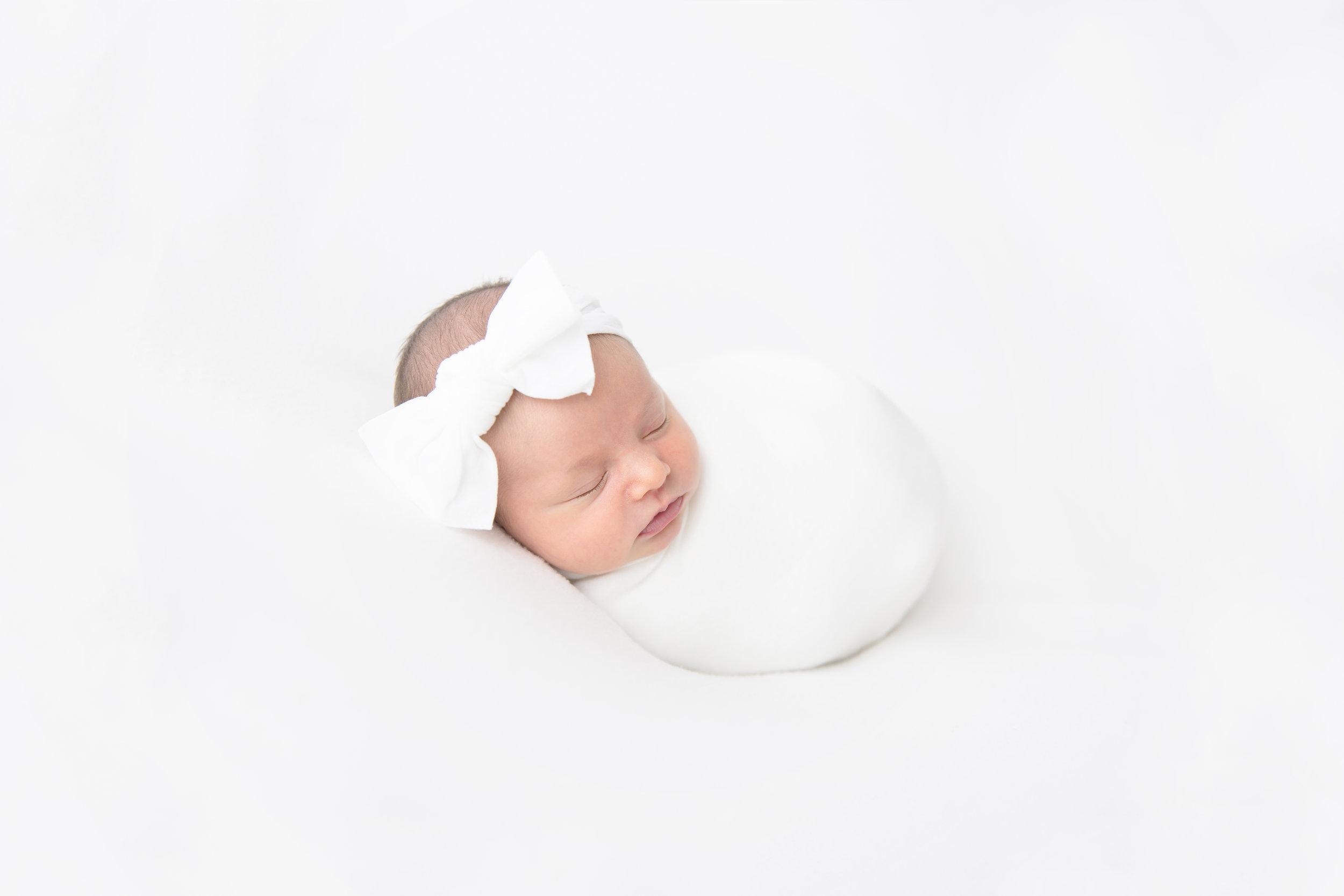 nye-newborn-light-airy-organic