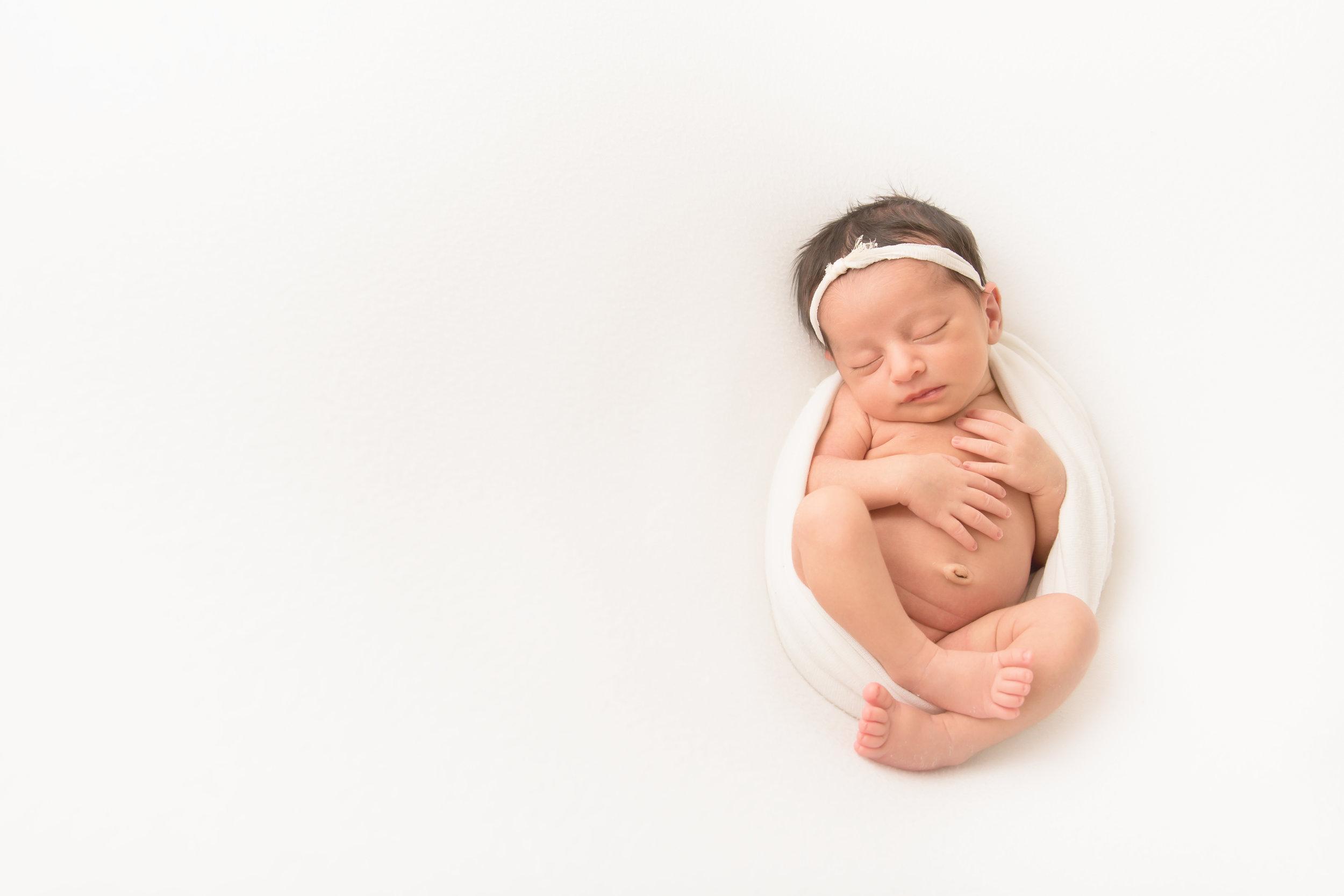 nj-newborn-photography-light-airy