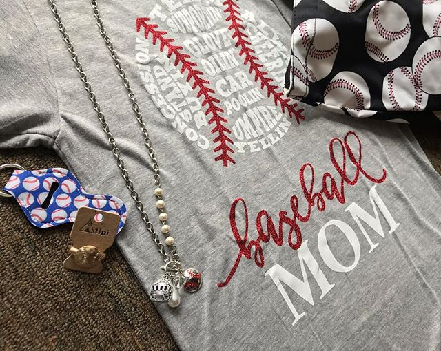 Baseball mama's this ones for you! Available now in the store. Baseball Tote bag w/coin purse, baseball tee's, sports themed jewelry and sports themed chapstick holders. ❤️⚾️☀️ Store Hours: Thurs-Sat 10-4 584 Greenwood St in JC Be sure to like and follow my page: https://m.facebook.com/heypennyboutique/ #heypennyboutique #junctioncity #homedecor #jewelry #masonjars #woodensigns #clothing #ccbeanies #customorders #supportsmallbusiness #shoplocal #baseballseason #sports