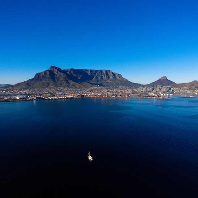 This was an incredibly beautiful morning in the mother city working on an exciting new project with @yachtboaz. It might've been a 3am start, but I guess you can tell it was well worth it! . . . . #motivationalspeaker #motivation #exploring #capetown #hein_wagner #beautifulcapetown #yachtboaz #darkness #staypositive #youcandoit #youarenotalone #Motivationoftheday #motivationiskey #inspiration #love #sunrise #instadaily #instalike #likeforlike #teacher #beautiful #happy #southafrica #blind #picoftheday #life #photography #bestoftheday #earlymorning #drone
