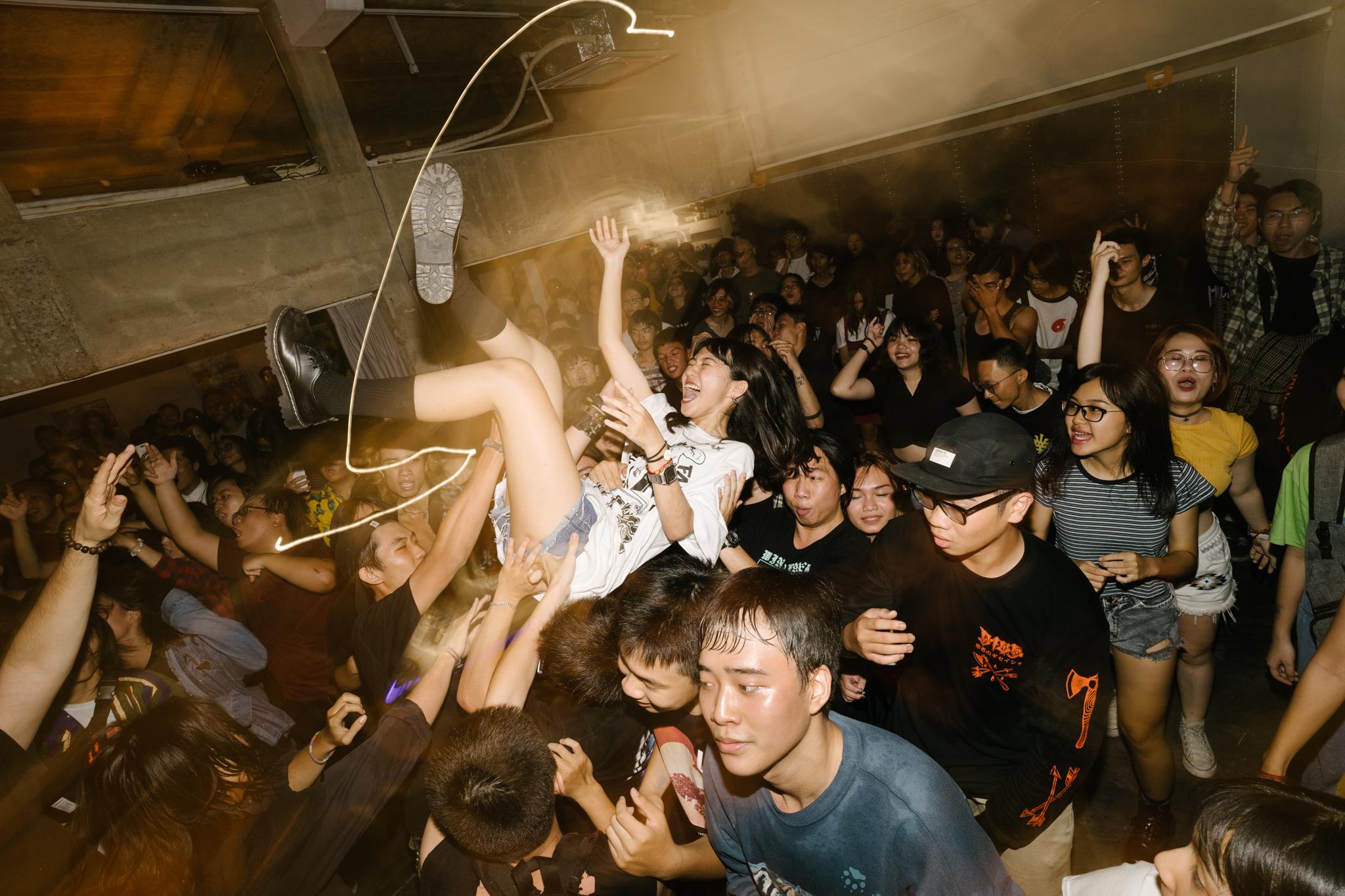 hardcore.leestarnes.punkrockchronicals.saigon.-5.jpg