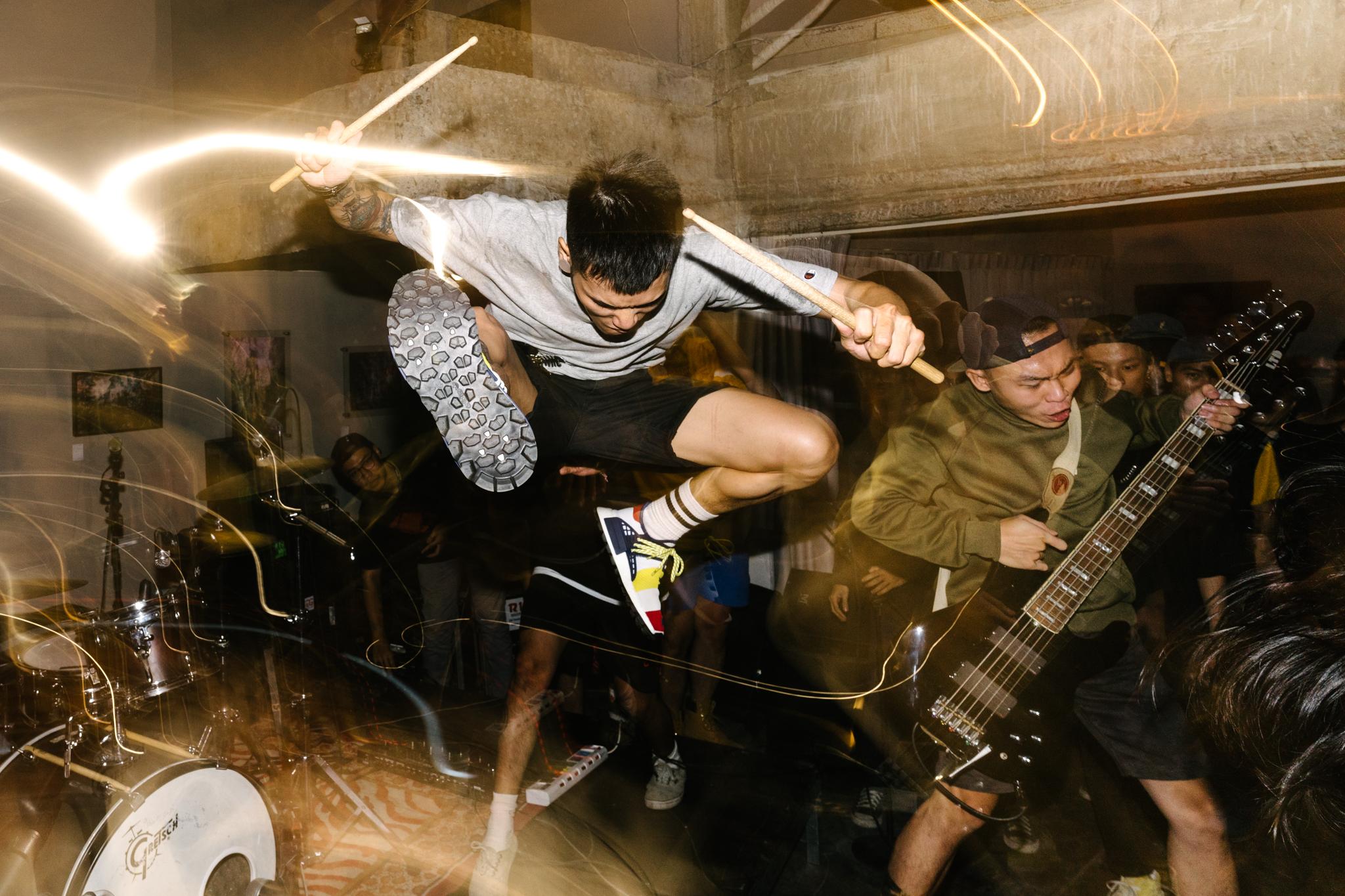 hardcore.leestarnes.punkrockchronicals.saigon.-1.jpg