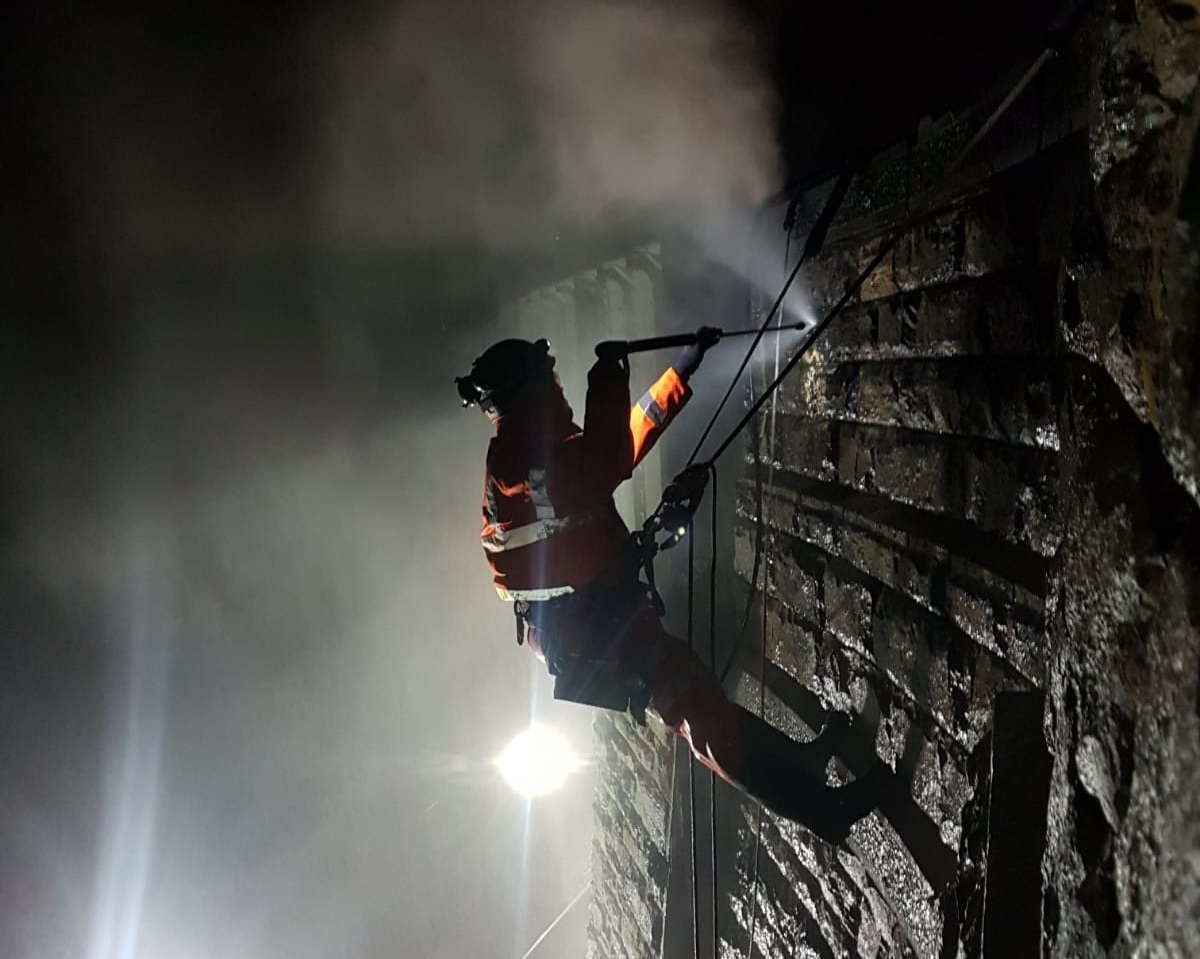 Removing old perished mortar and graffiti  from structures on Highways and Rail Networks