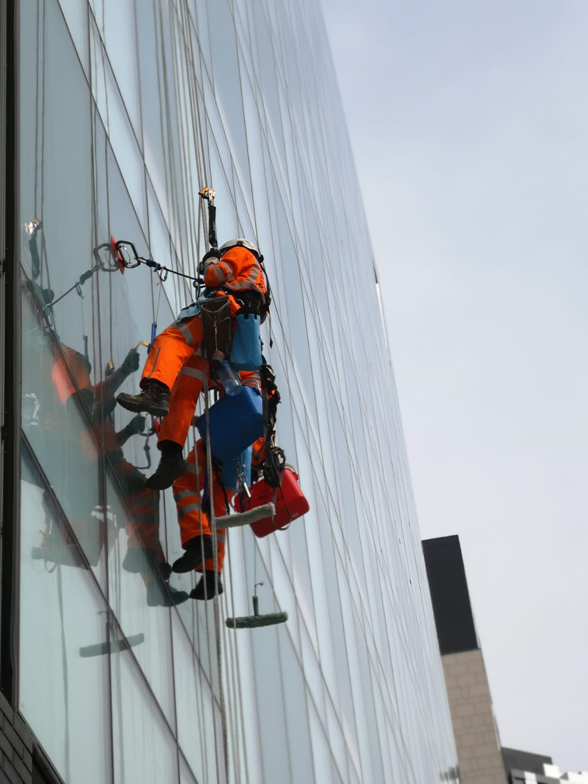 Rope Access Glazing Cleaning