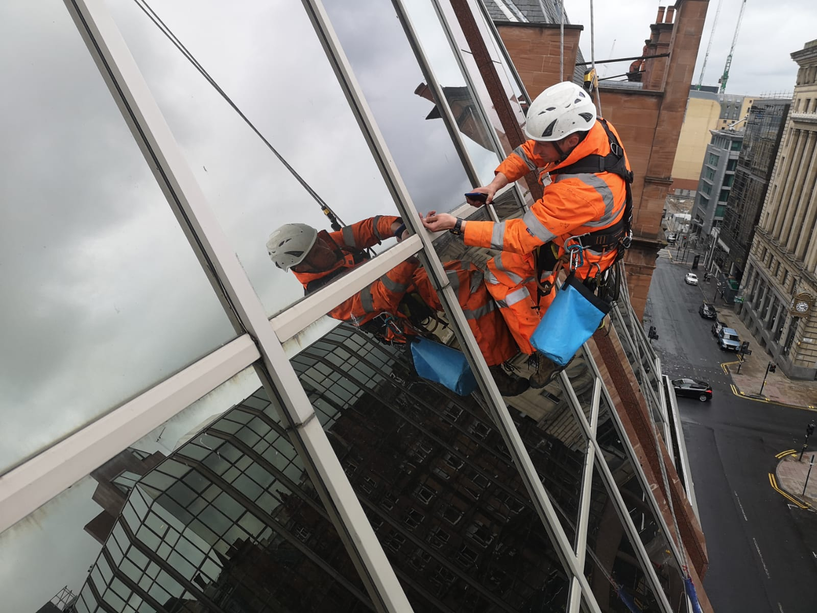 Glazing compression plate inspections
