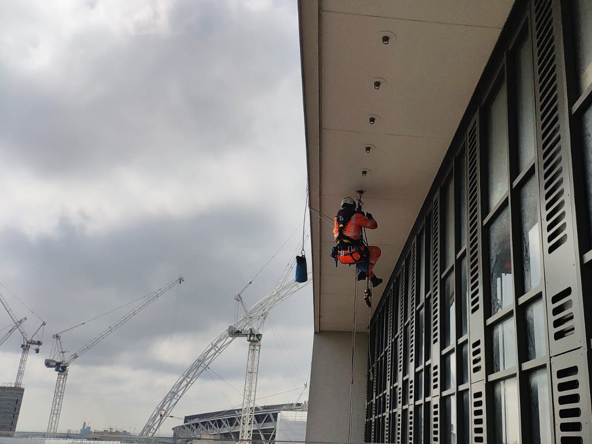Eyebolt testing to soffit - Wembley