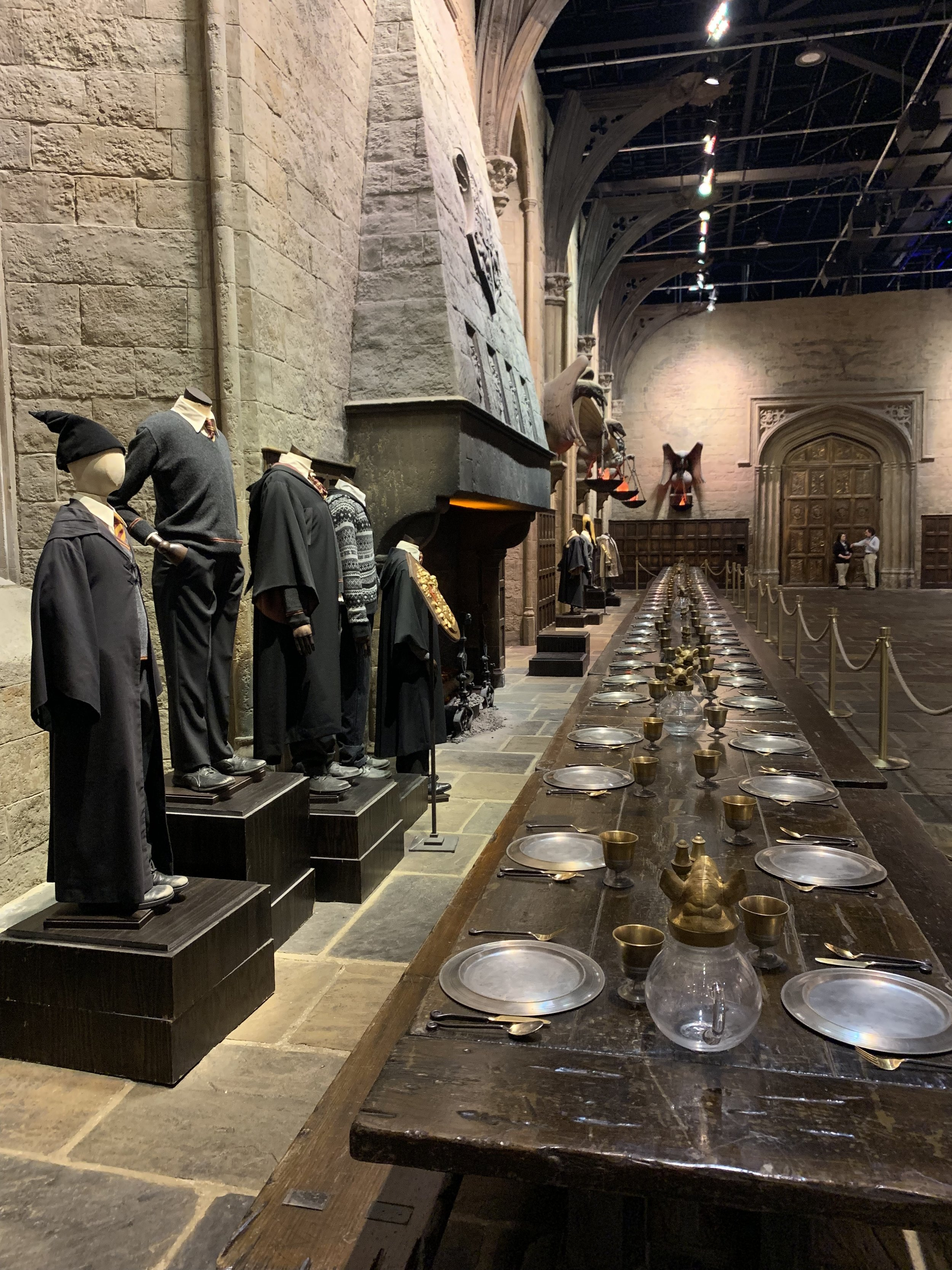 Looking down Griffindor's table