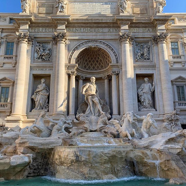 Day 94/130: My favourite place in #Rome, Trevi Fountain. The sculpture and cascades of the fountain are incredibly beautiful. Fun fact: on average people throw a total of €3,000 into the waters each day. That's ~🇦🇺$1,800,000 or ~🇺🇸$1,200,000 every year 😱💸⛲️ #Travel #Europe #Italy #Latergram