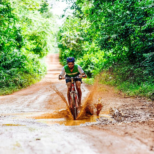 WAHEY IT'S FRIYAY! Where are you off cycling this weekend? Let us know in the comments below 👇🚴♂️🚴♀️ ⠀⠀⠀⠀⠀⠀⠀⠀⠀⠀⠀⠀ ⠀⠀⠀⠀⠀⠀⠀⠀⠀⠀⠀⠀ ⠀⠀⠀⠀⠀⠀⠀⠀⠀⠀⠀⠀ #WeekendRide #WeekendRiders #RideSierraLeone #StreetChildUK #SierraLeone #WestAfrica #CyclingChallenge #CharityChallenge  #RideForACause #PowerOfBicycles #DoGood  #Cycling #CyclingLife #cyclist #bikelife #InstaBike #cycle #ciclismo #InstaCycling #RoadCycling #biking #OutsideIsFree #FromWhereIRide #RoadsLikeThese #travel #AdventureTravel