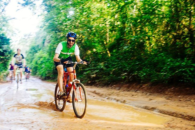 Ride Sierra Leone - The Sportive is a new 4 day weekend trip with a 1 day cycle challenge included.  You'll cycle 120km through the jungle under the intense African sun 🚴♂️🚴♀️🌴 and know that your efforts are making a difference to the communities you pass through.  See full details on our website 👉  link in bio.  @ridesierraleone @streetchilduk  #SierraLeone #WestAfrica #equity #EducationCannotWait #children #change #bethechange #DoSomething #changemakers  #NGO #nonprofit #CyclingChallenge #CharityChallenge  #RideForACause #PowerOfBicycles #DoGood  #Cycling #CyclingLife #cyclist #bikelife #InstaBike #cycle #ciclismo #InstaCycling #RoadCycling #biking #OutsideIsFree #FromWhereIRide #RoadsLikeThese #AdventureTravel