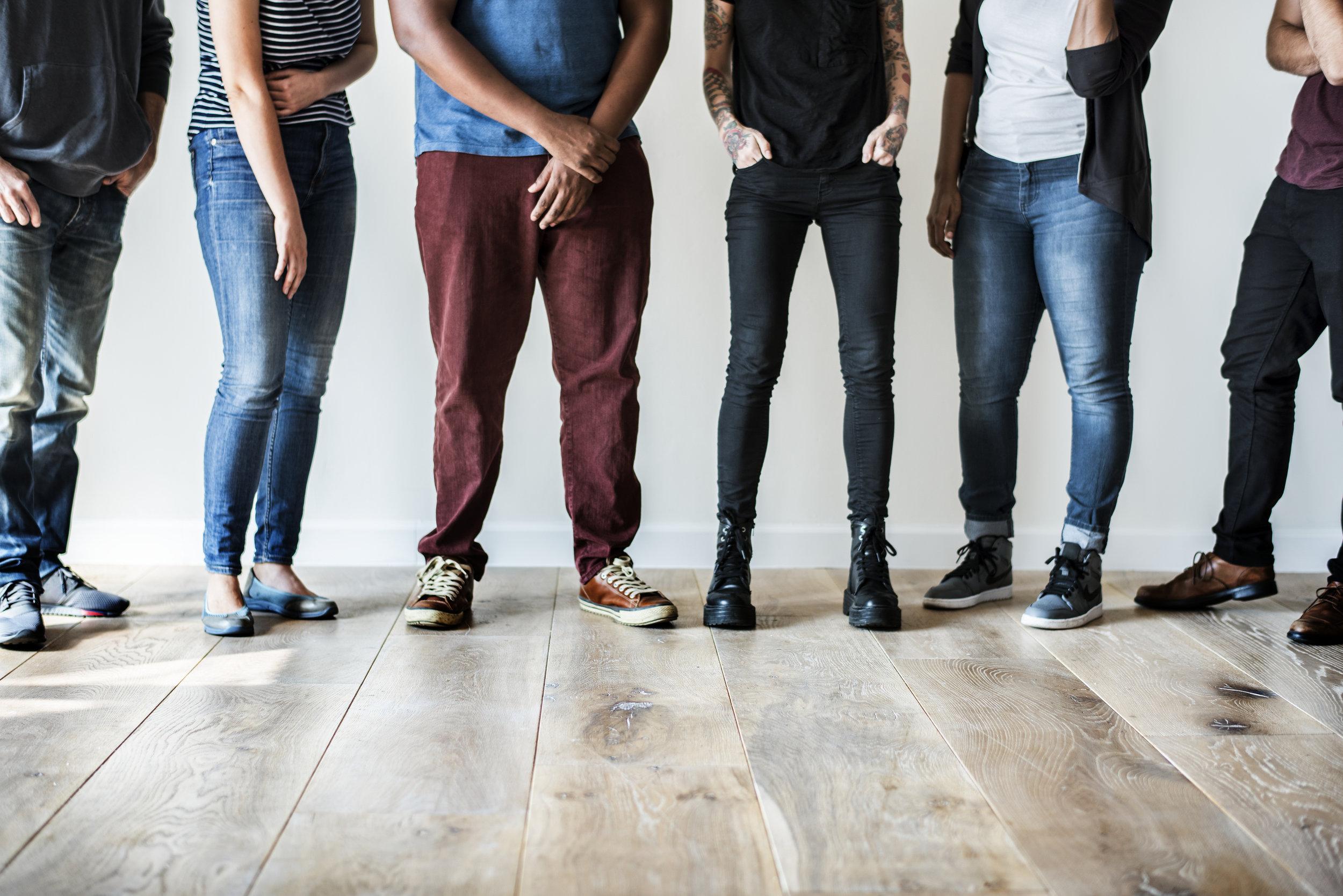 """Atração & Retenção de Talento - Após a já incorporada geração """"Y"""" (ou millennials), vem a geração """"Z"""" (nascidos entre 1990 e 2010) e com ela novos desafios organizacionais. Adaptar a cultura organizacional, os planos de carreira, a comunicação da empresa e a estrutura de compensações e benefícios, são desafios que não podem ser deixados para segundo plano e, para que mantenha a competitividade e assegure os melhores recursos humanos.Desenvolvemos programas consultivos que dão resposta a estas necessidades, melhorando a captação e retenção de talento nas empresas."""