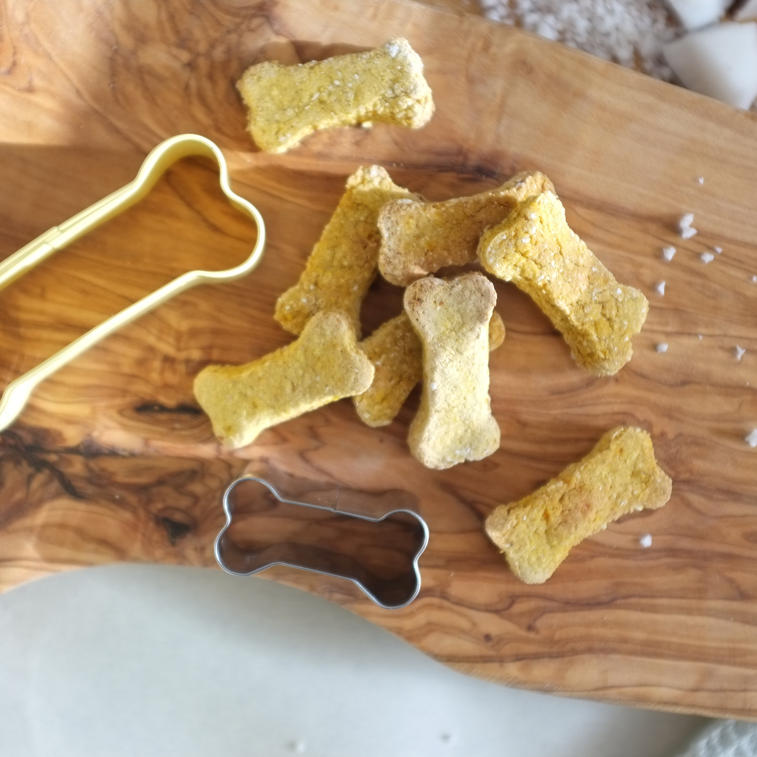 paw-some-trio-veggie-biscuits