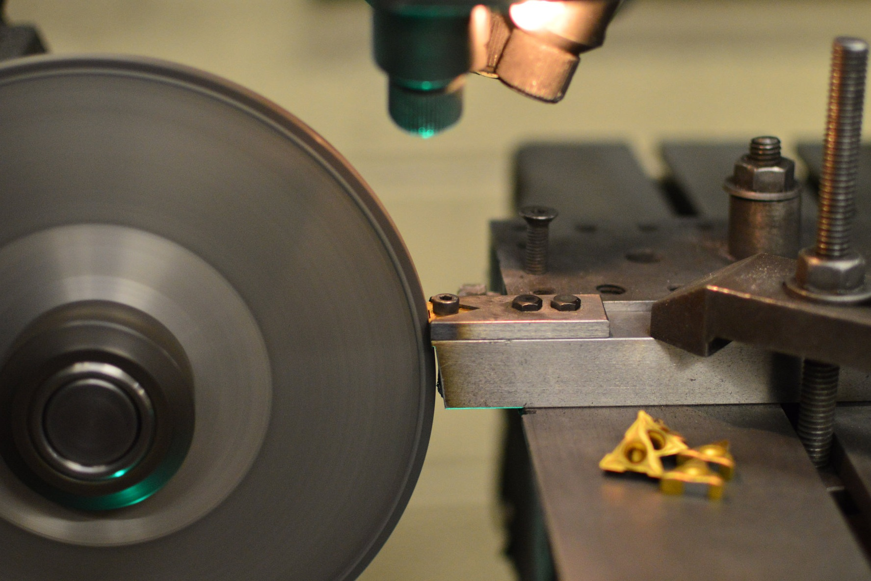 cylindrical, surface & bore grinding - Close Tolerance Grinding On Round & Flat Components