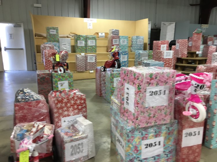 Chesterfield Christmas Mother Auction 2021